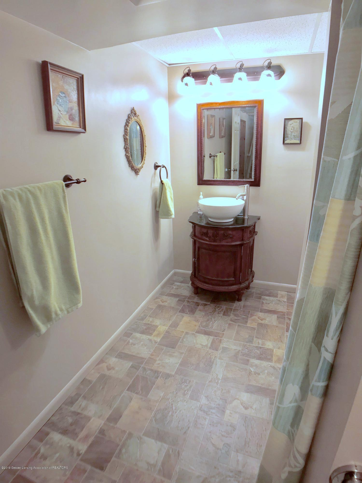 1930 Gordon Ave - Lower Level Full Bath - 22
