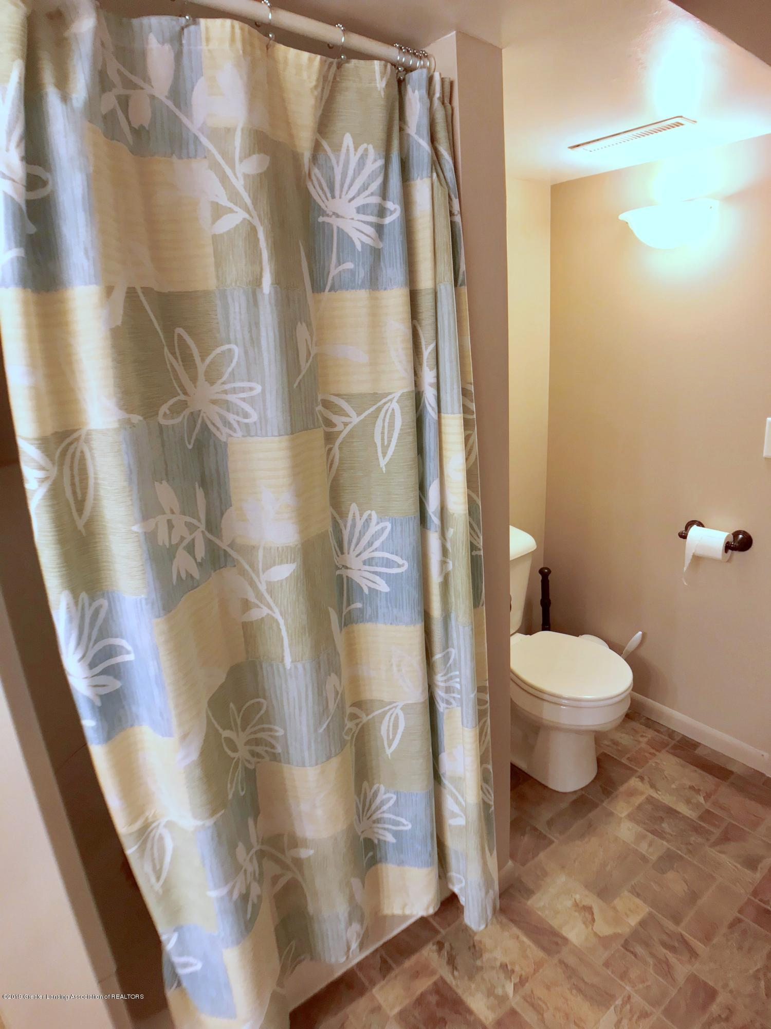 1930 Gordon Ave - Lower Level Full Bath - 23