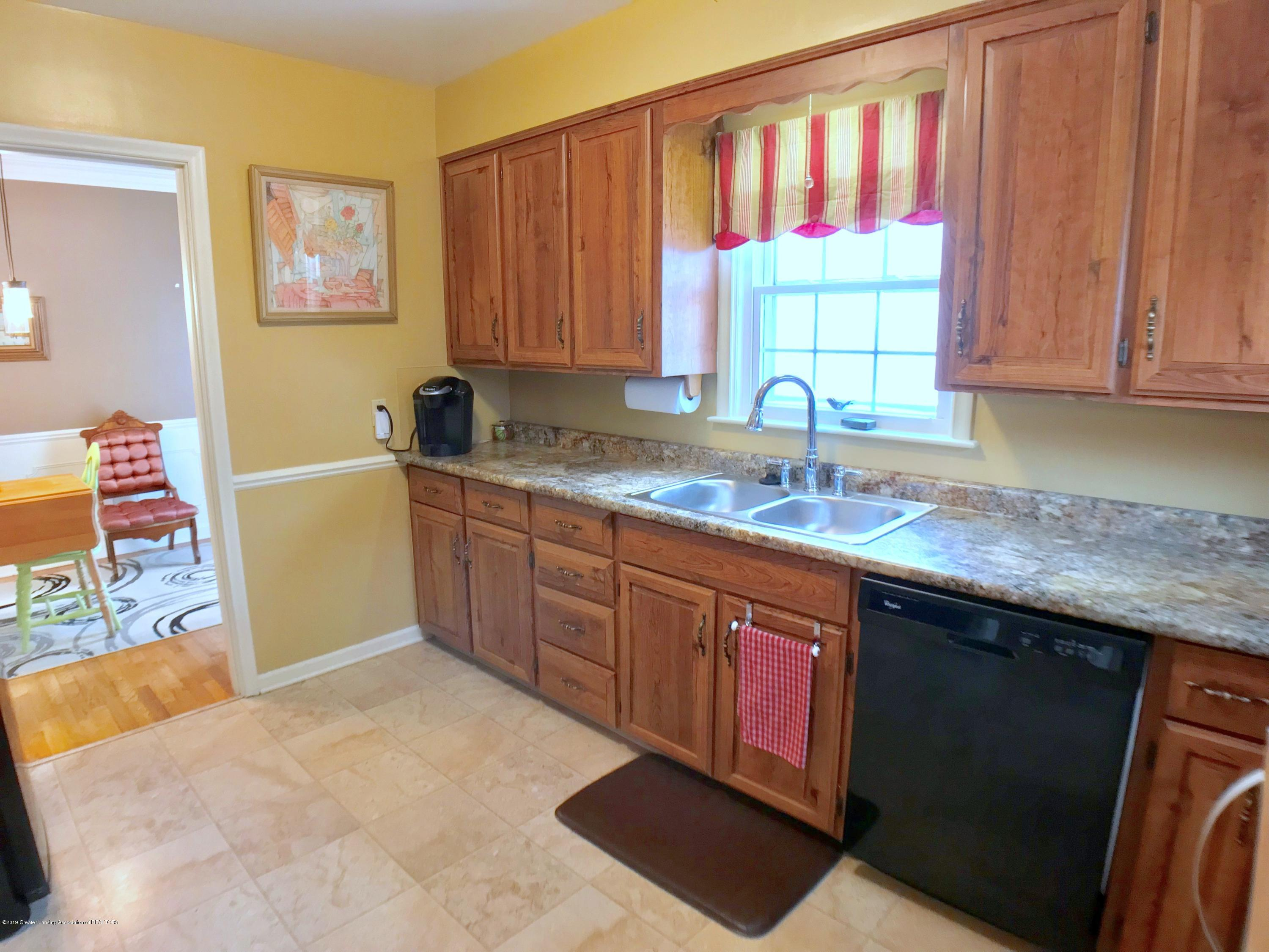 1930 Gordon Ave - Kitchen - 10