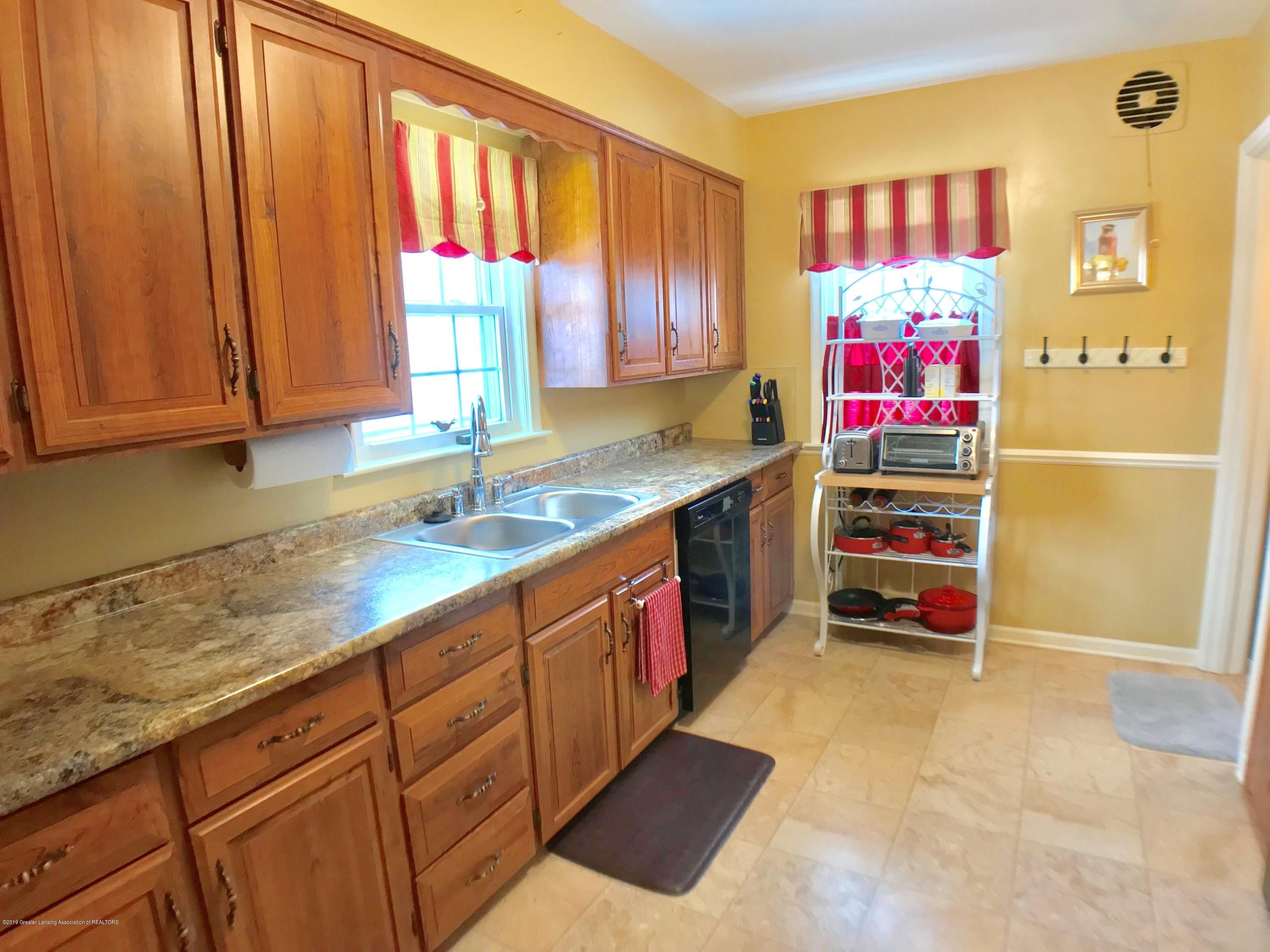 1930 Gordon Ave - Kitchen - 8