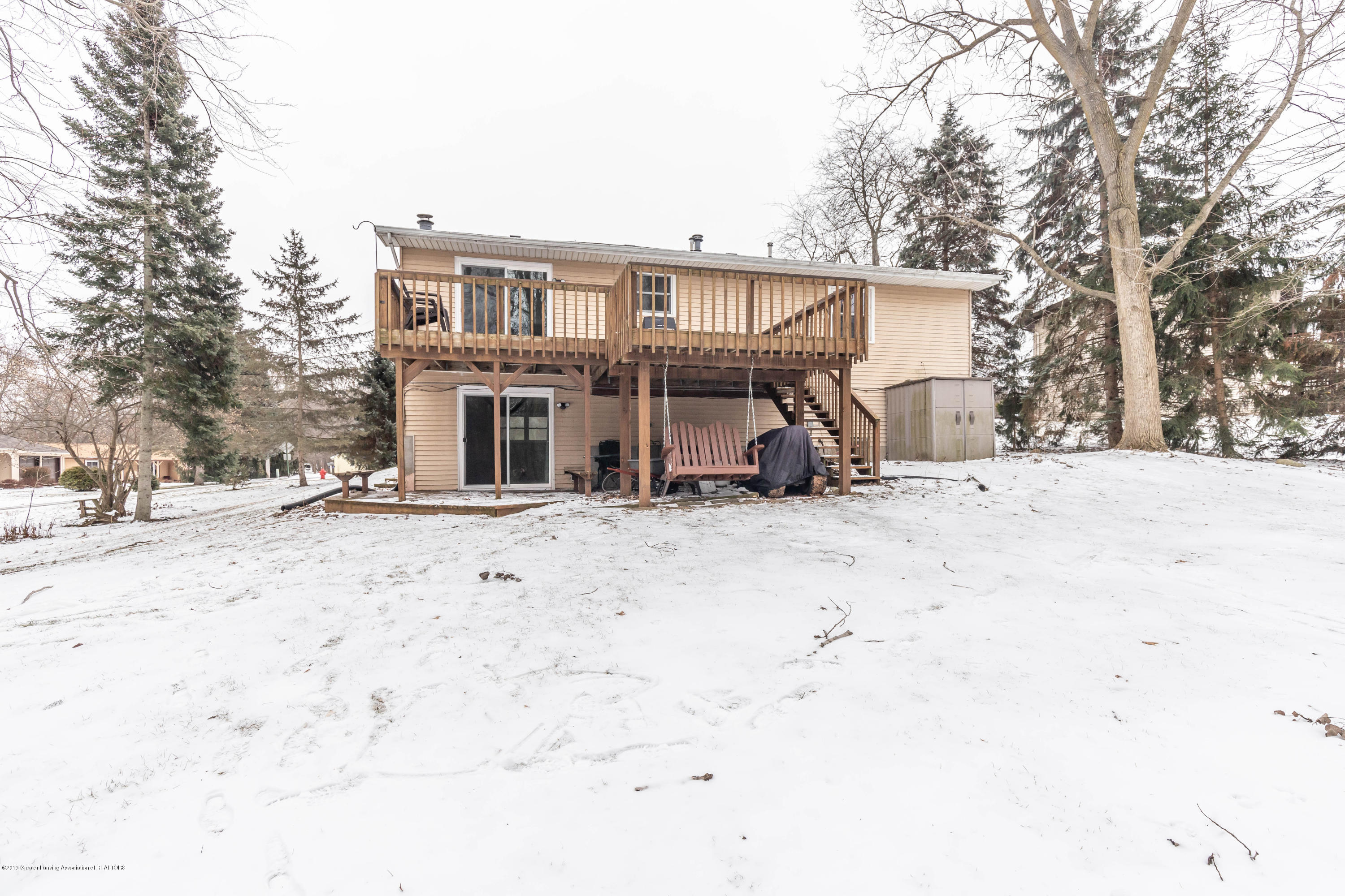 304 Riverview Dr - riverback (1 of 1) - 27