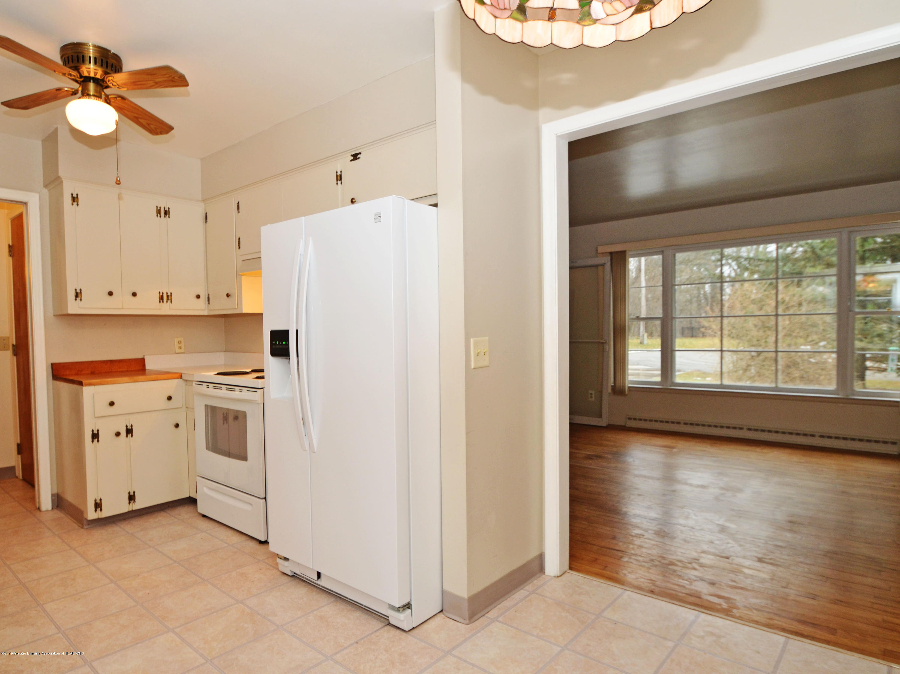 2758 Eastway Dr - 6Kitchen to LR - 6