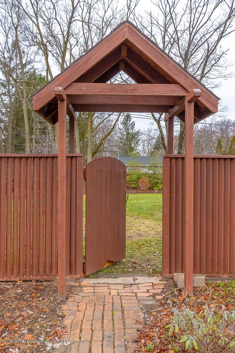 1721 Hitching Post Rd - Gate to Back Yard - 26
