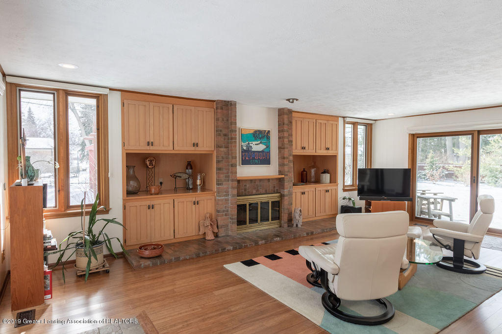 1721 Hitching Post Rd - Family Room Fireplace - 15