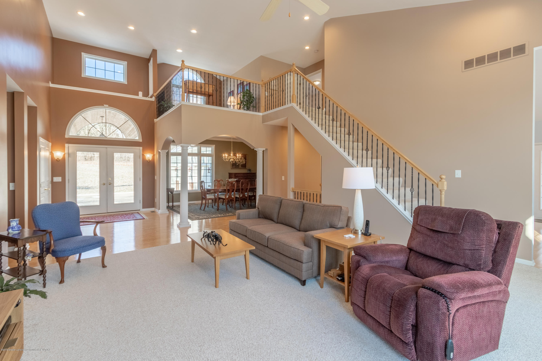 8115 Stonehedge - Living Room - 11
