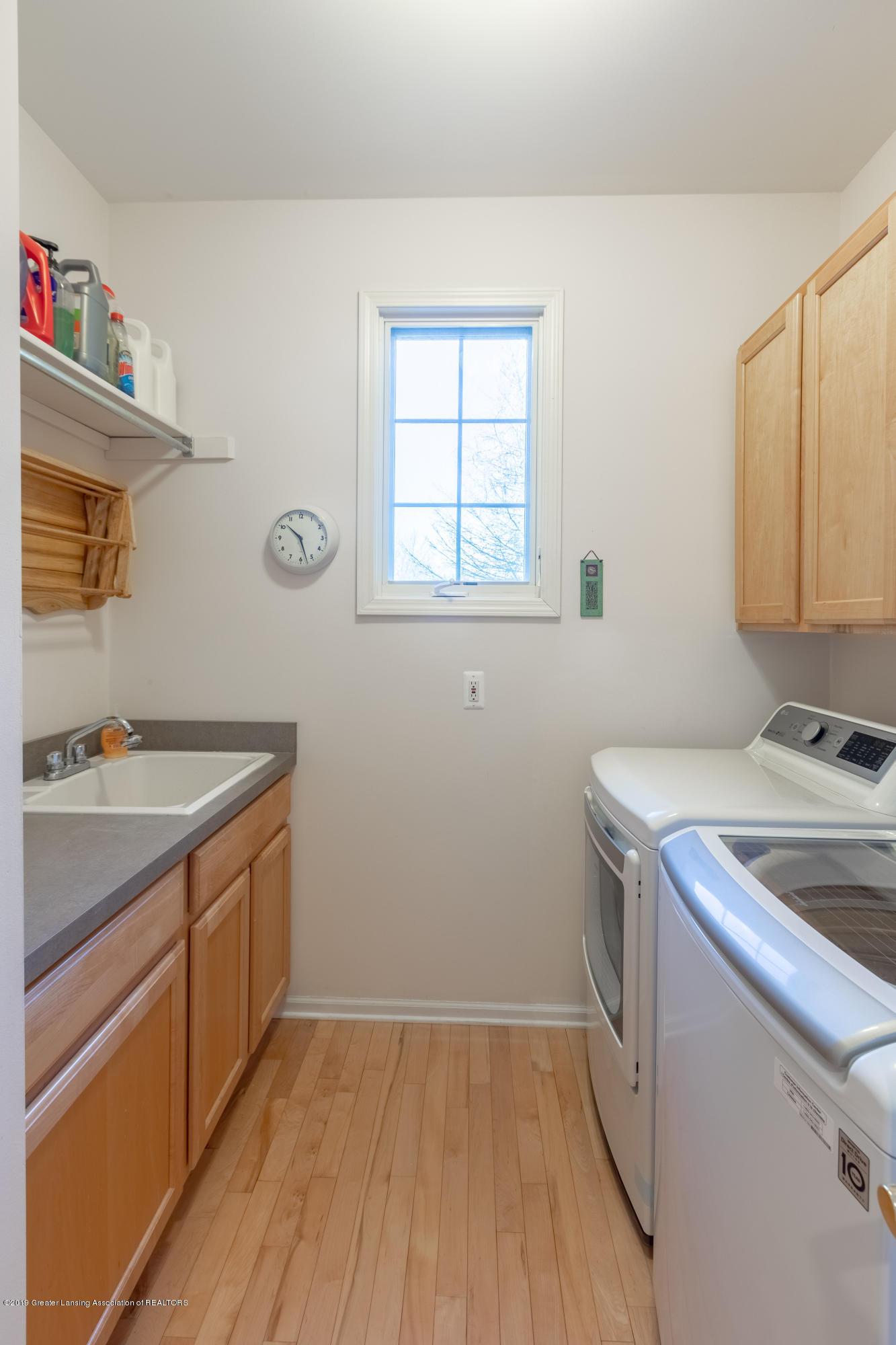 8115 Stonehedge - Laundry - 50