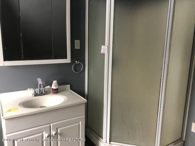 330 Jefferson St - BATHROOM (2) - 9