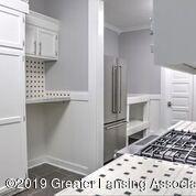 333 E Lovett St - Kitchen - 12