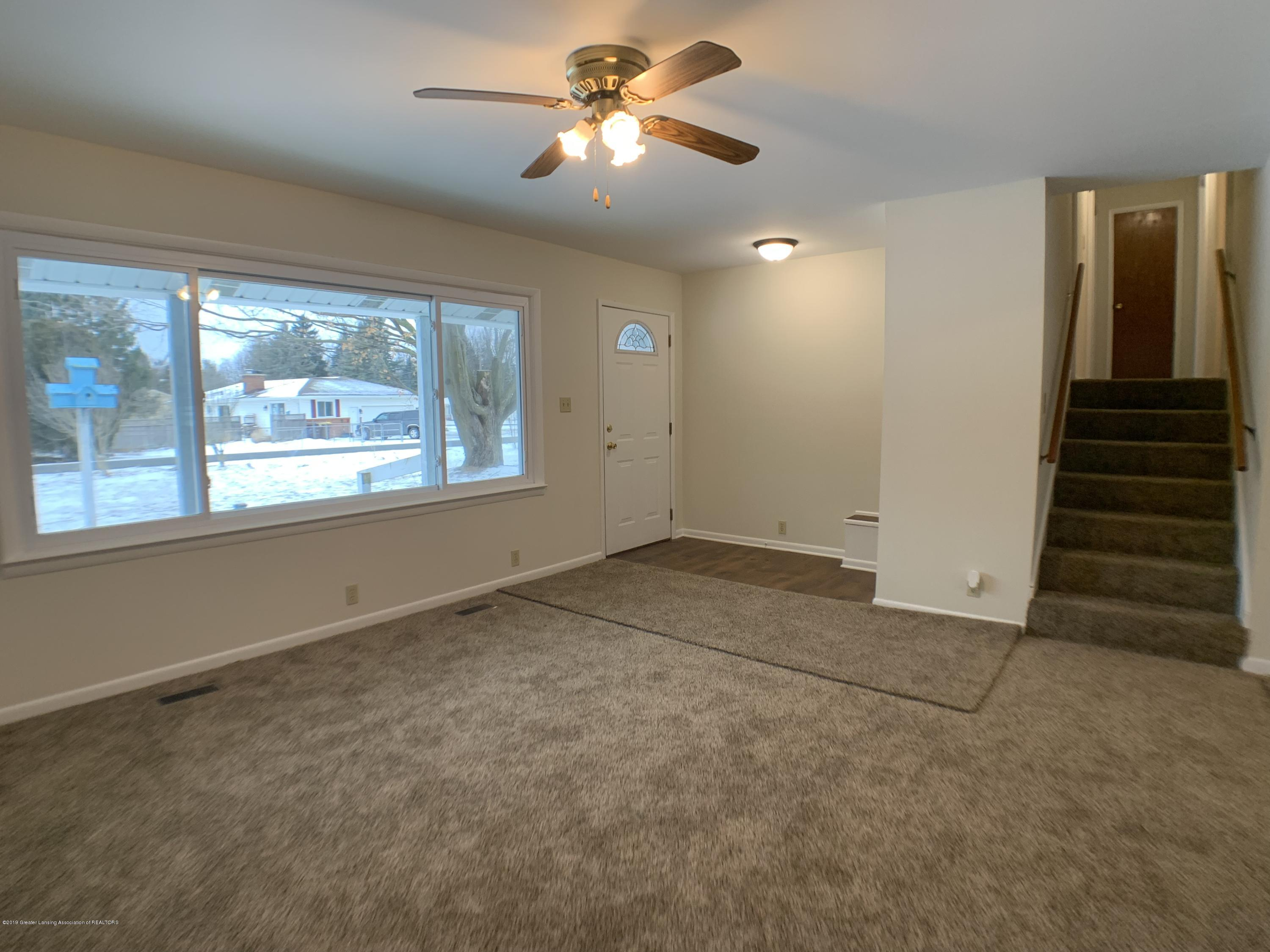 1675 Yorkleigh Dr - Living Room - 5