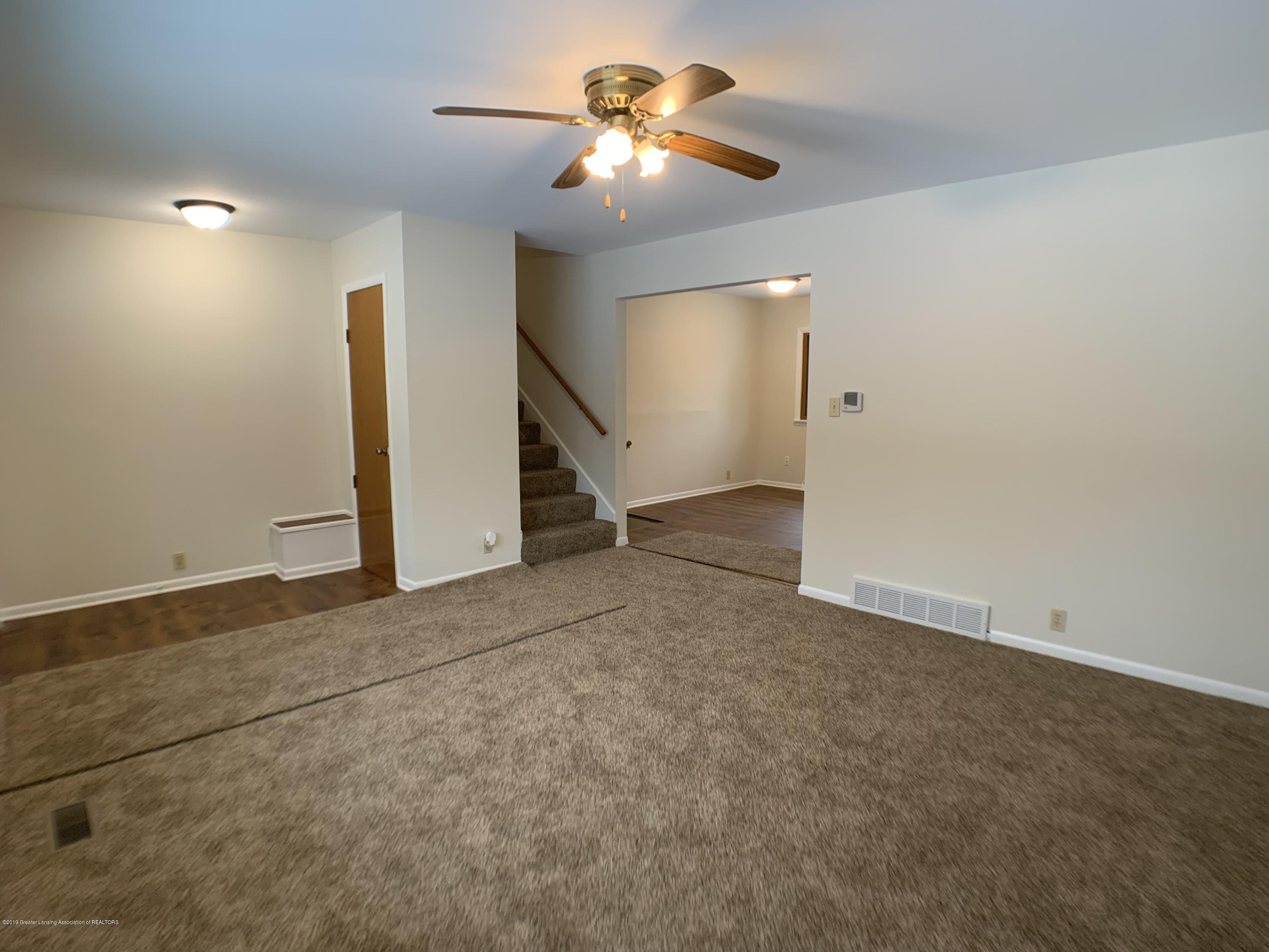 1675 Yorkleigh Dr - Living Room - 6