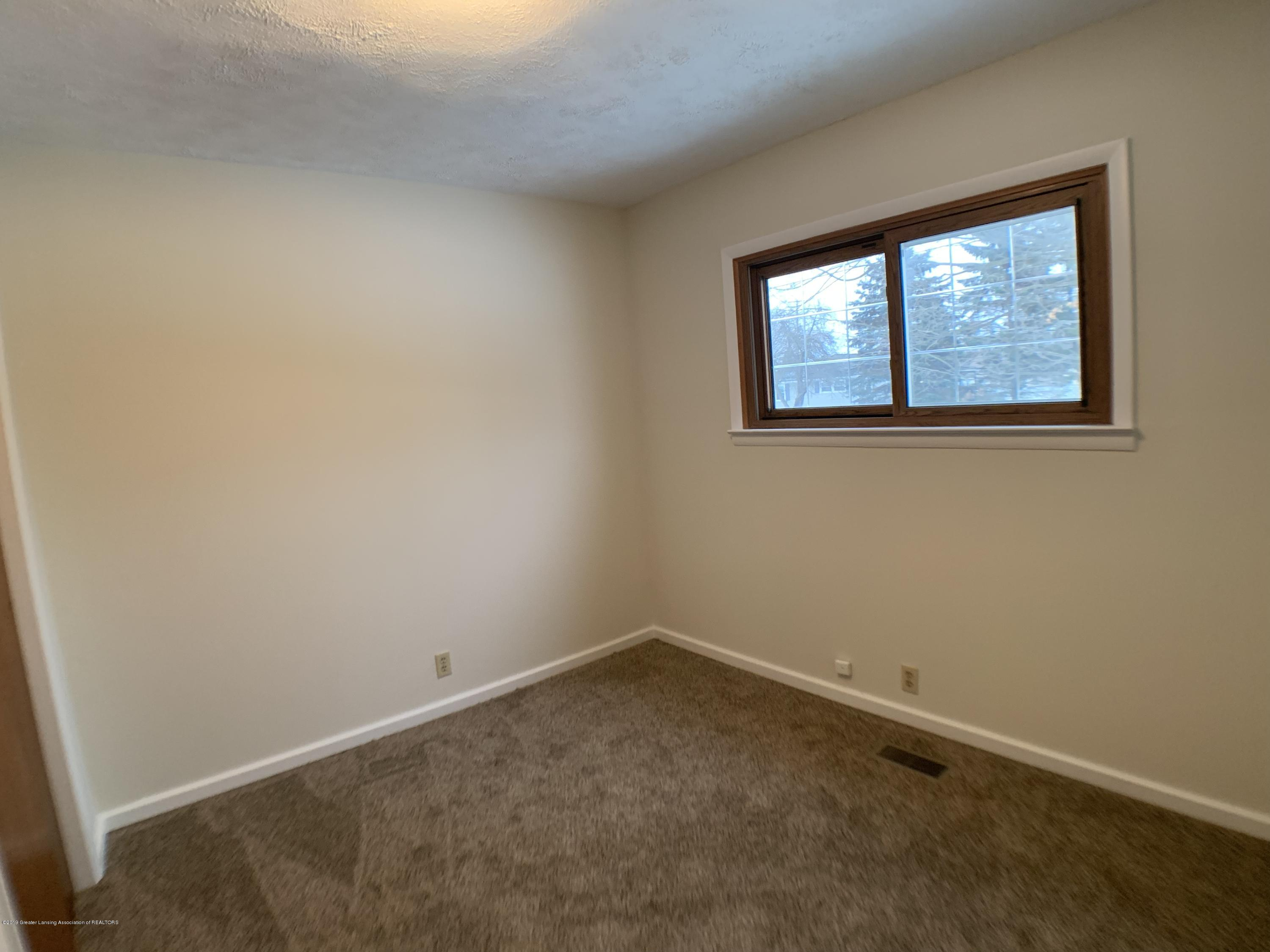 1675 Yorkleigh Dr - Bedroom 2 - 21