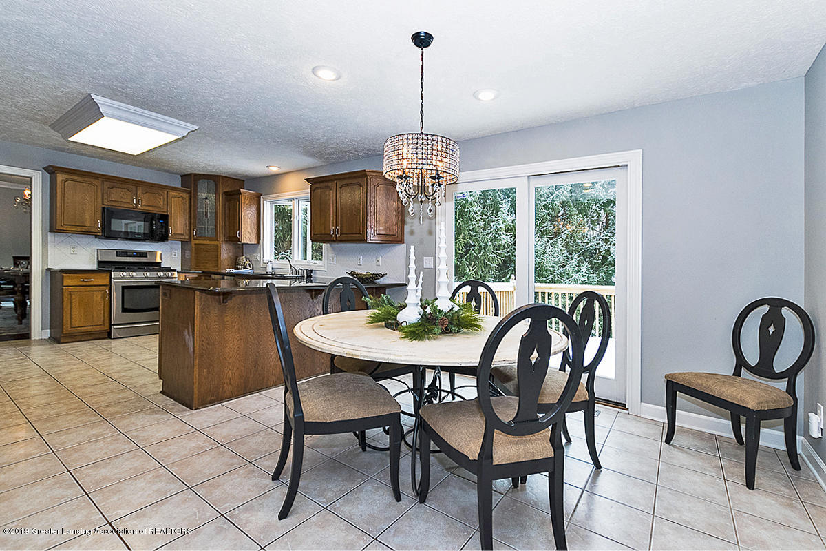 1825 Elk Ln - BREAKFAST NOOK - 10