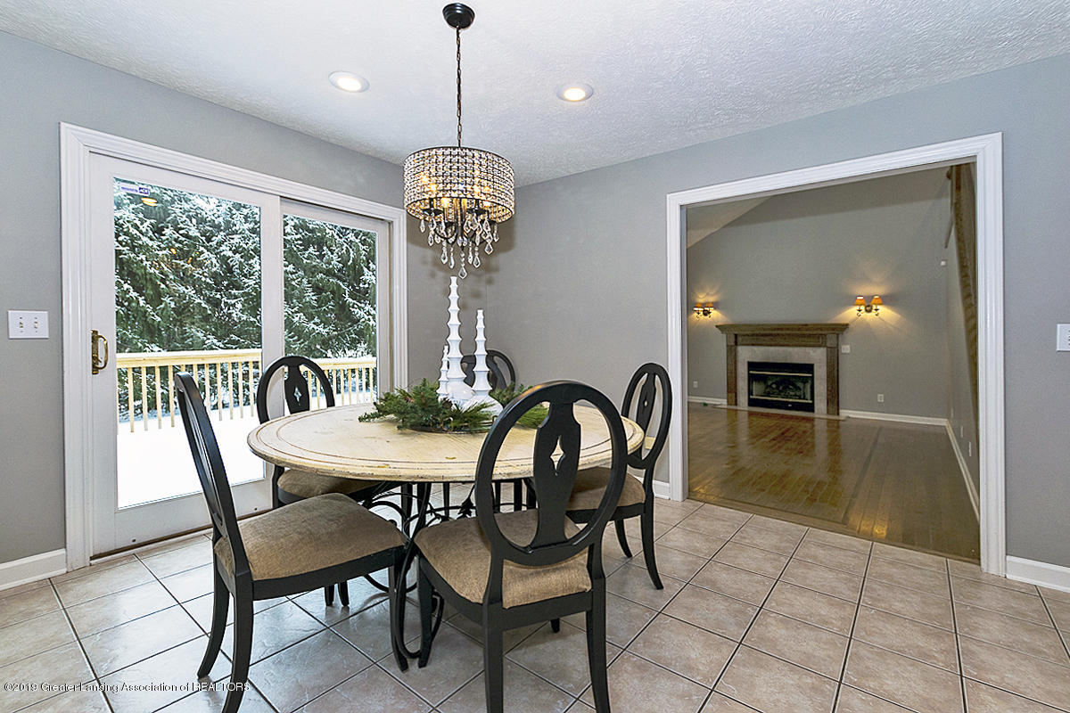 1825 Elk Ln - BREAKFAST NOOK - 11