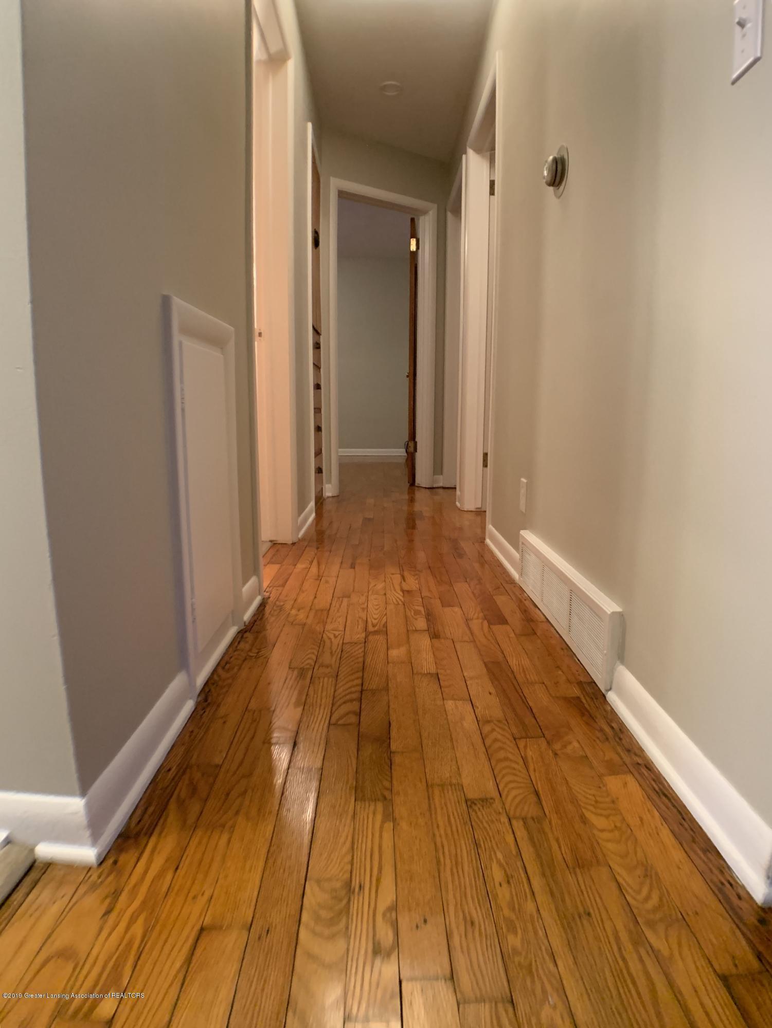 12668 Holly Ln - Hallway - 20