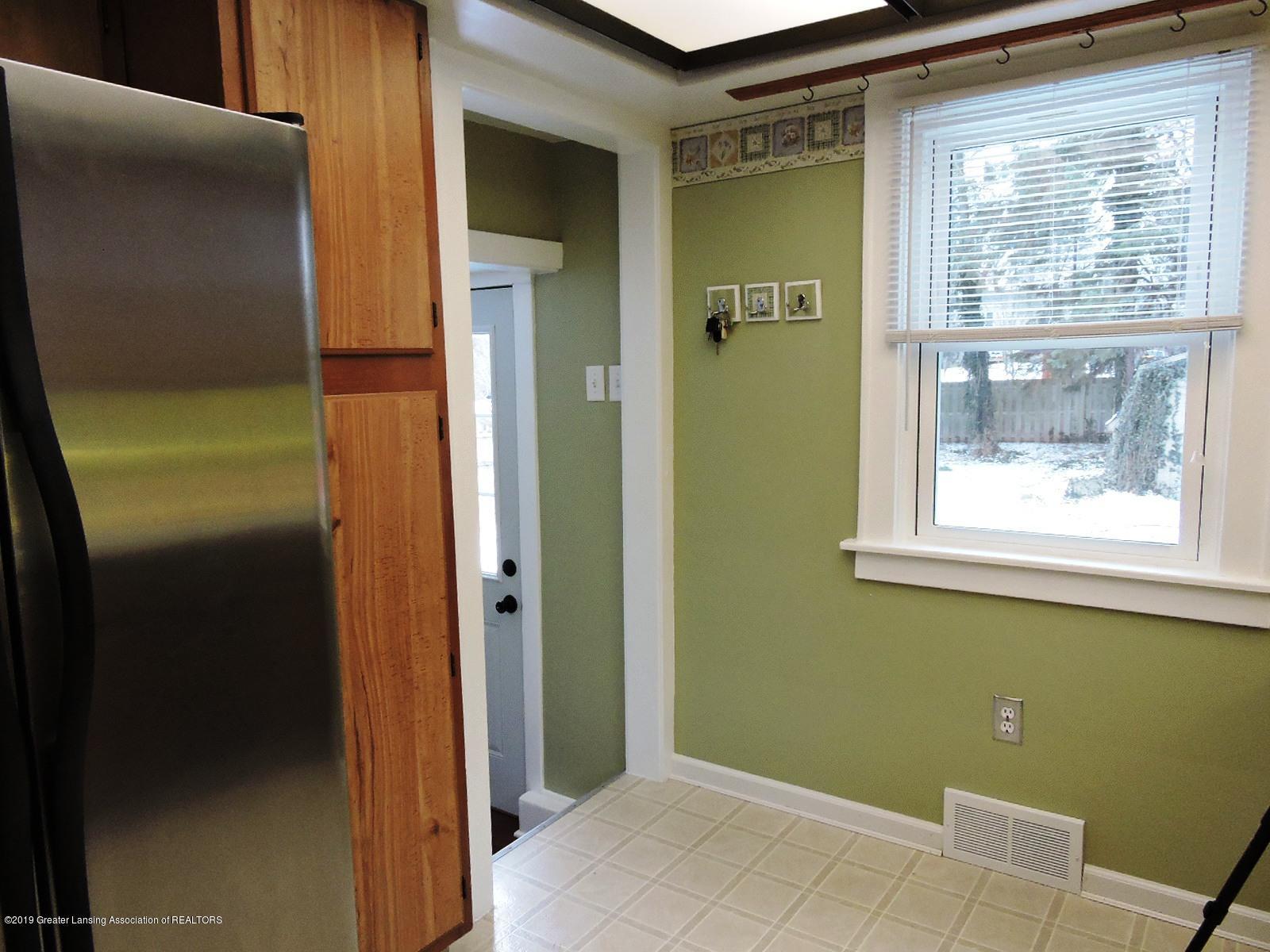 206 E Main St - Kitchen - 9