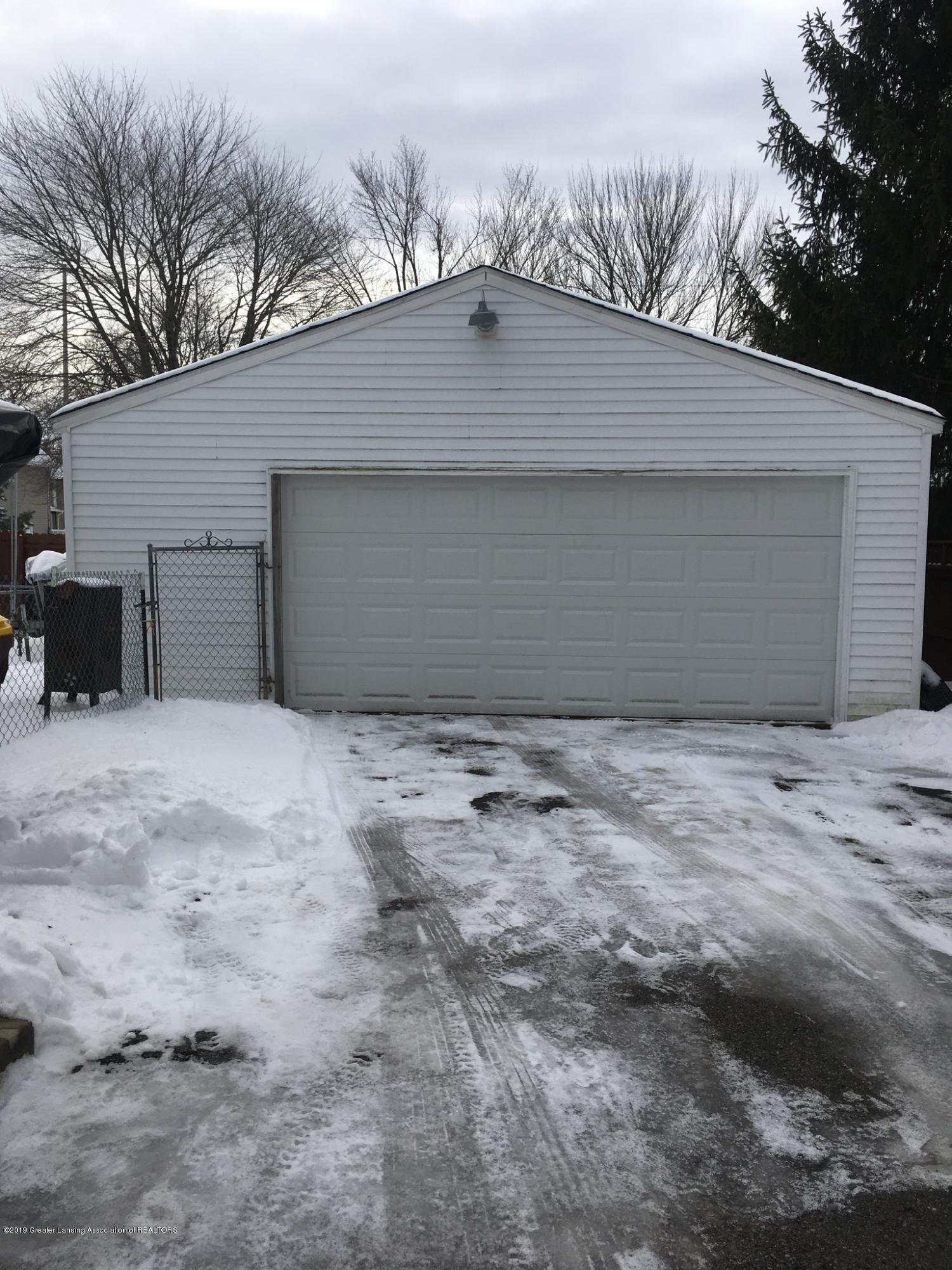 307 W Main St - Garage - 14