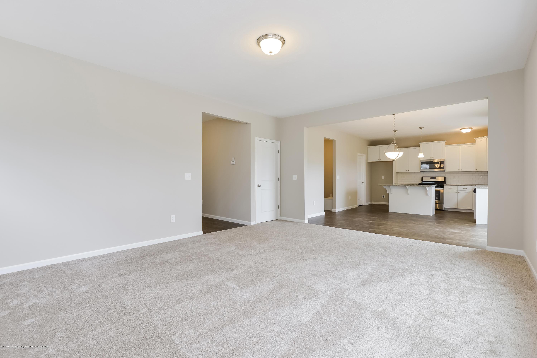 948 Pennine Ridge Way - Living Room MDE020-E2390-1 - 6