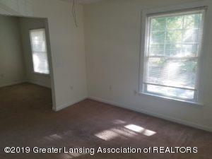 1225 Bensch St - 1225 Bensch Living Room - 8
