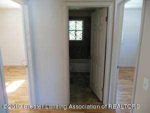 913 Pierce Rd - 913 Pierce Hallway - 5