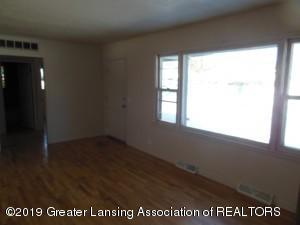 913 Pierce Rd - 913 Pierce Living Room 2 - 7