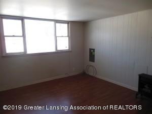 913 Pierce Rd - 913 Pierce Living Room - 8