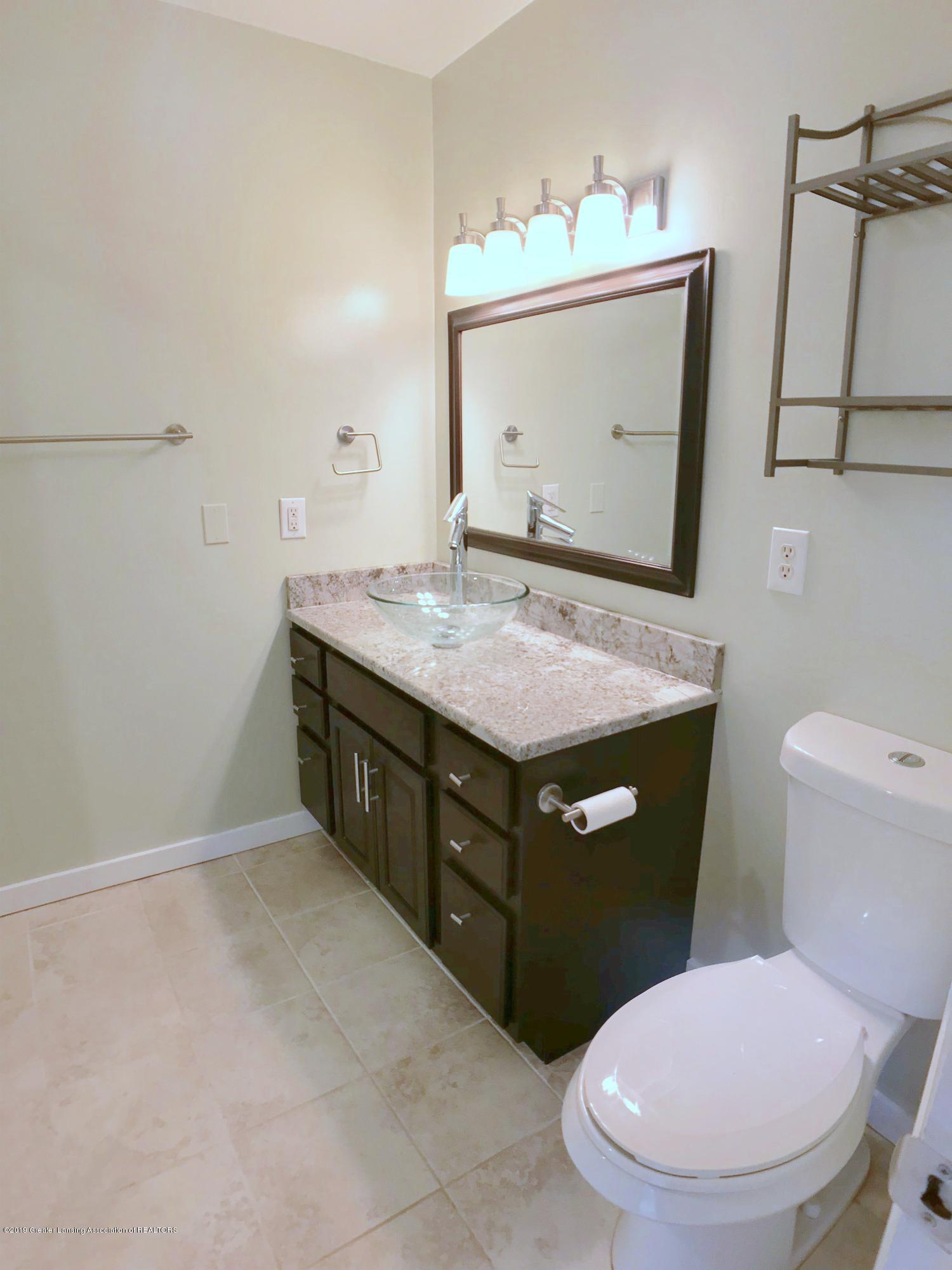 211 Loree Dr - Master Bath - 15