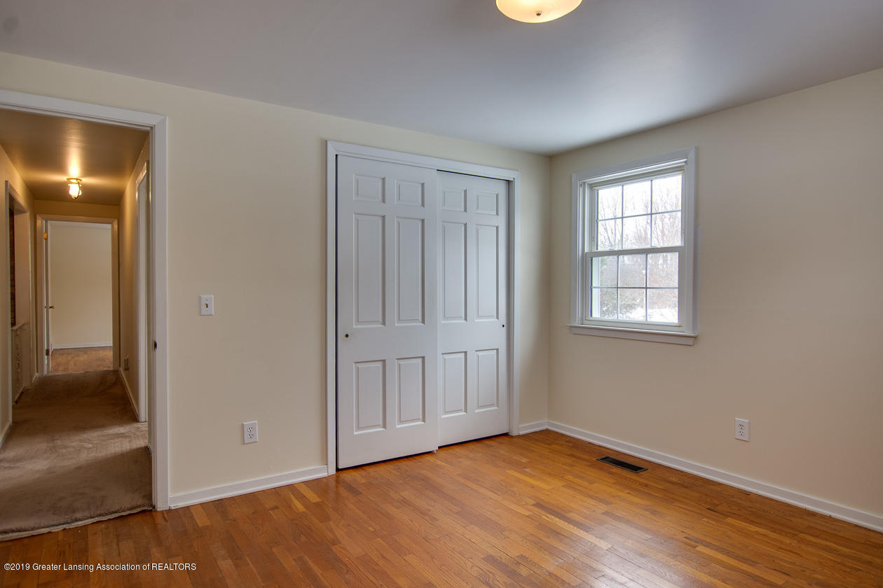 1890 Ridgewood Dr - Master bedroom - 12