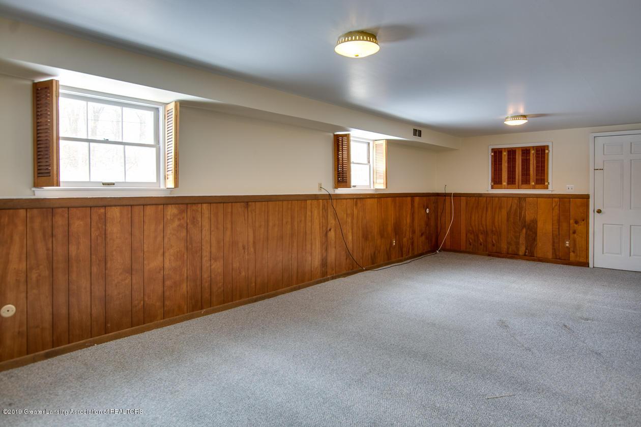 1890 Ridgewood Dr - Lower level family room - 17
