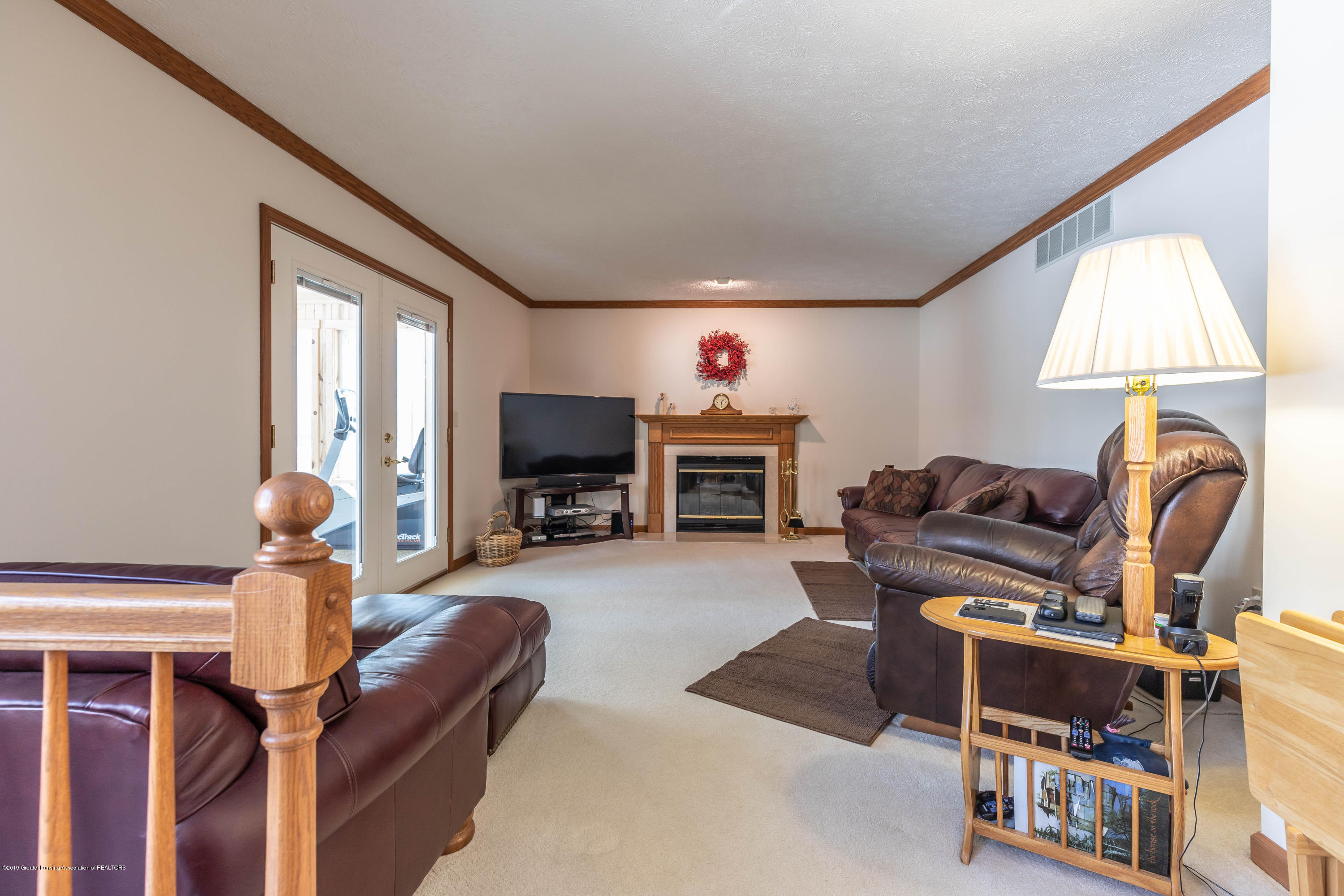 8459 Country Farm Ln - Family Room - 18