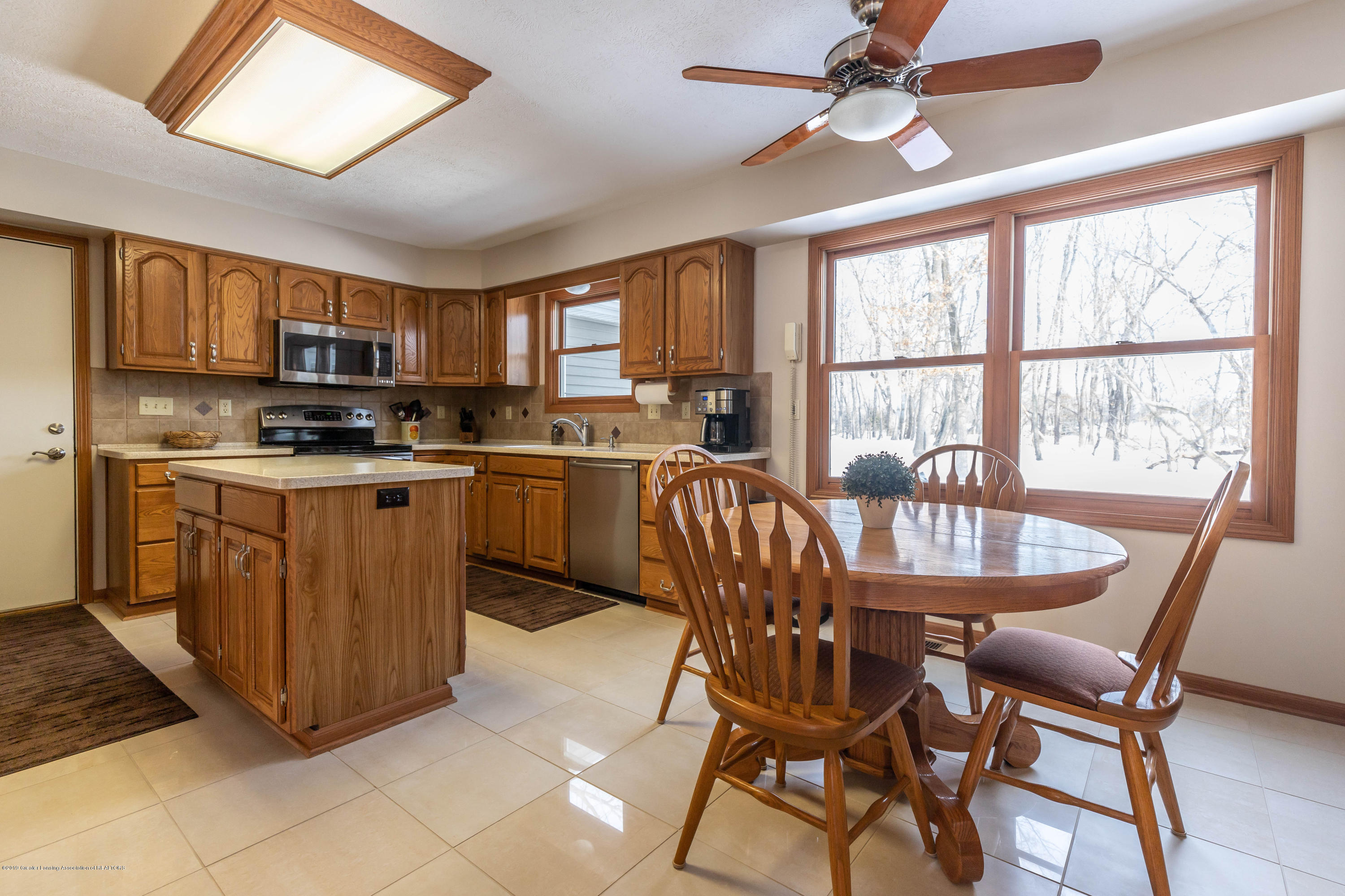 8459 Country Farm Ln - Kitchen Dining - 14