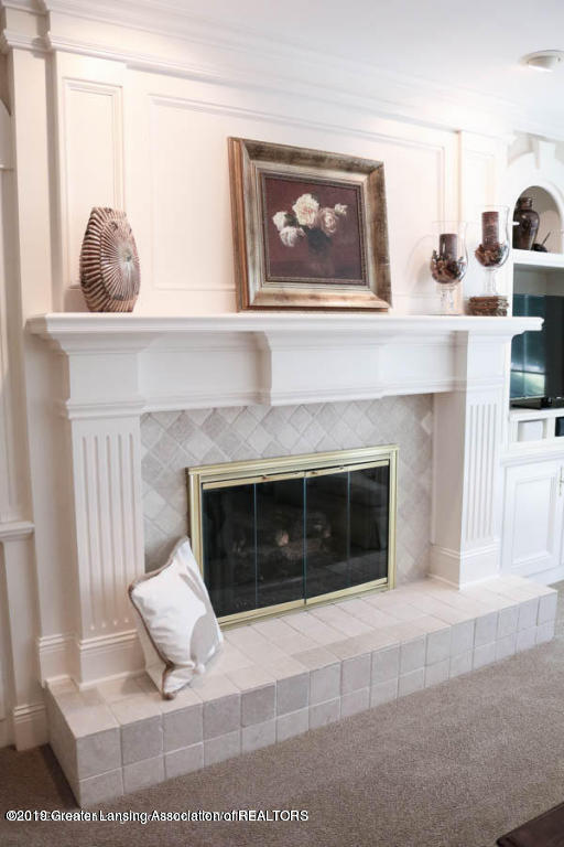 6090 Standish Ct - Gas Fireplace - 21