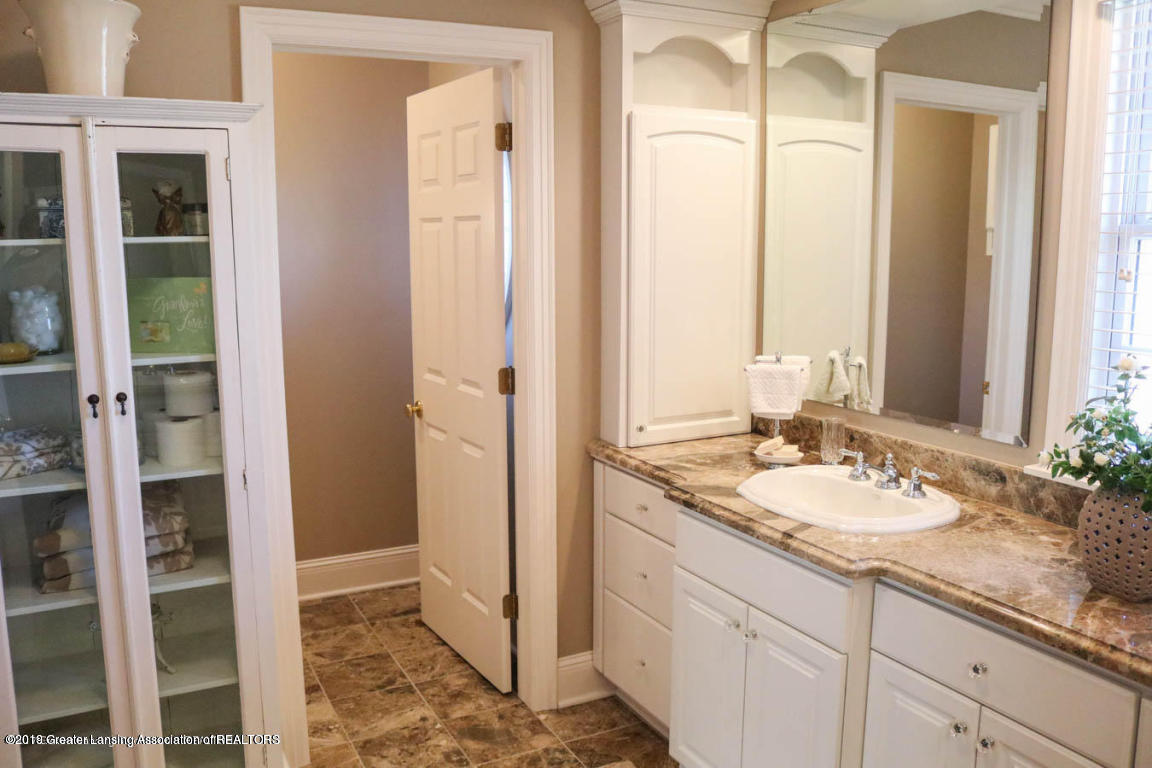 6090 Standish Ct - Master Bathroom - 49