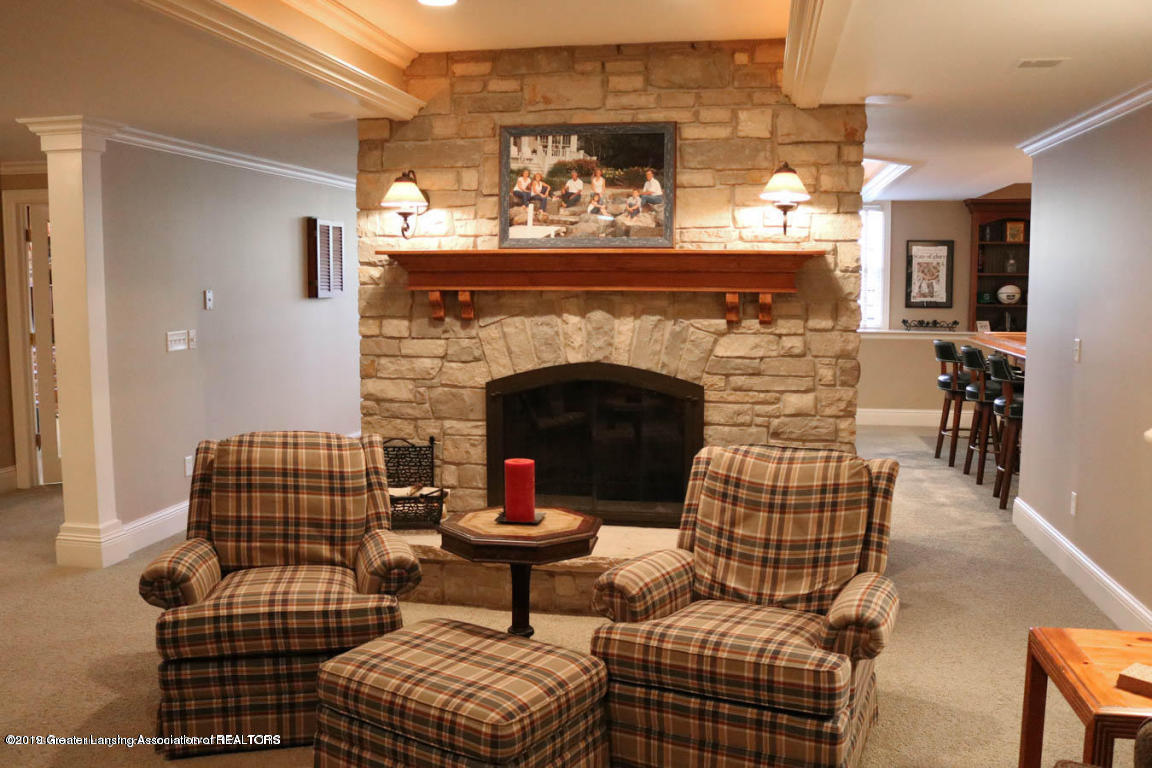 6090 Standish Ct - Fireplace - 76