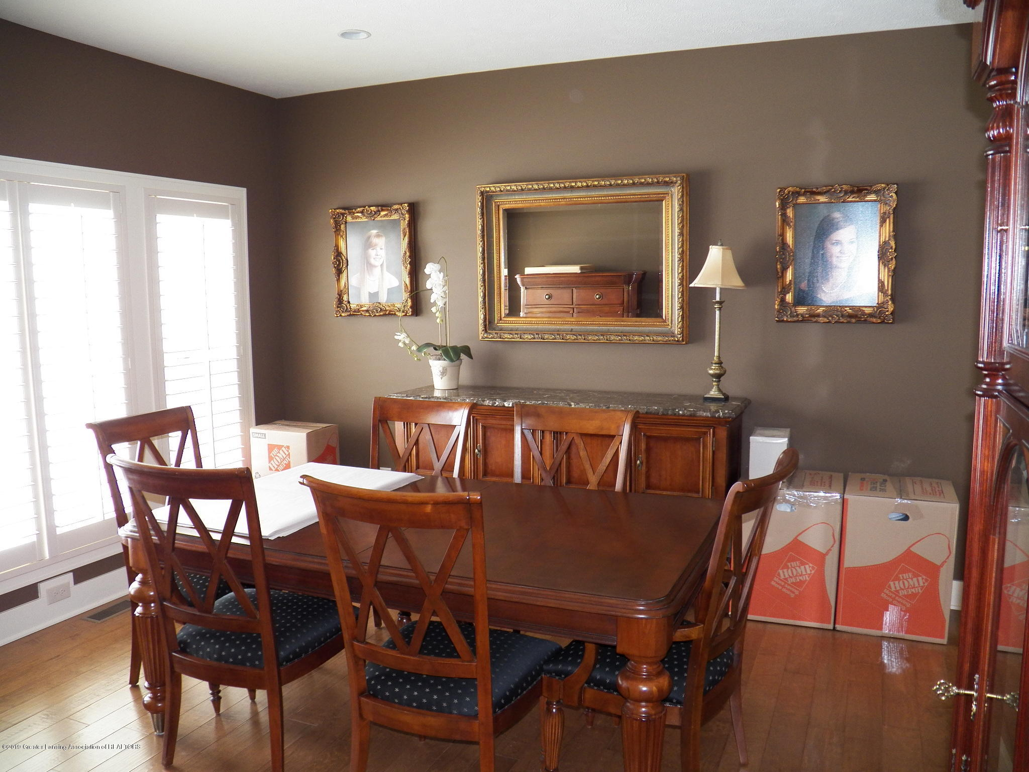 10711 Ireland Dr - dining room - 3