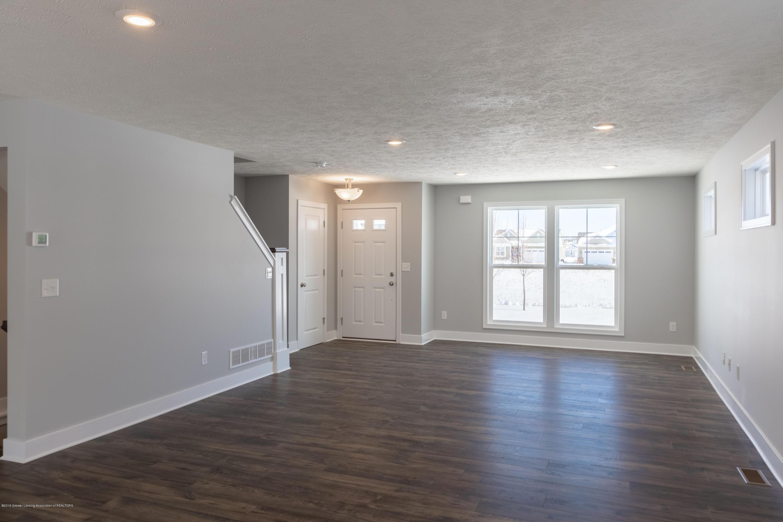 3846 Fossum Ln 9 - Living Room - 5