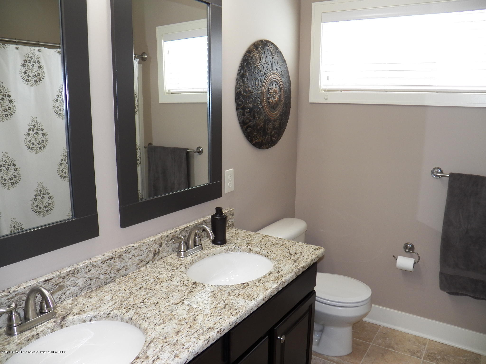 10711 Ireland Dr - main bath - 15