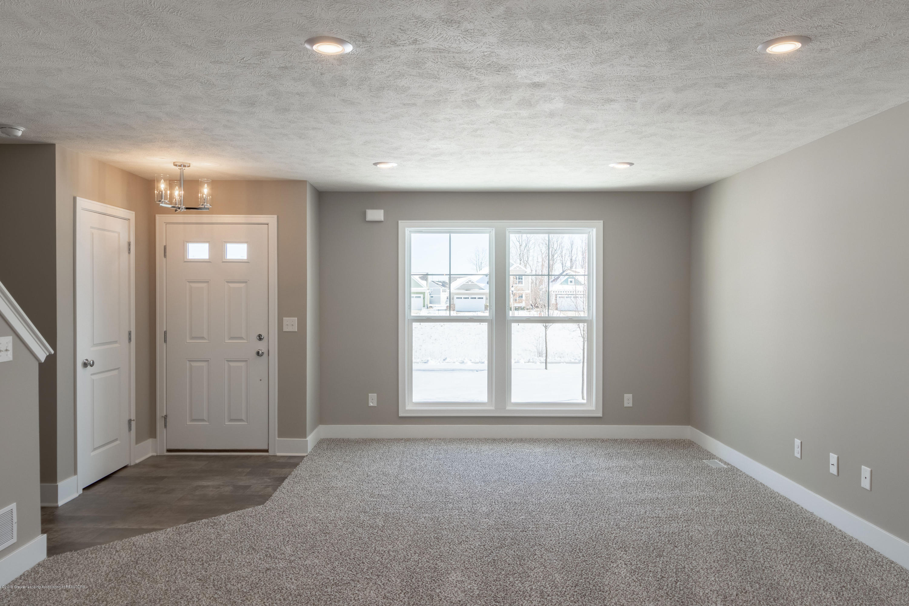 3848 Fossum Ln 10 - Living Room - 4