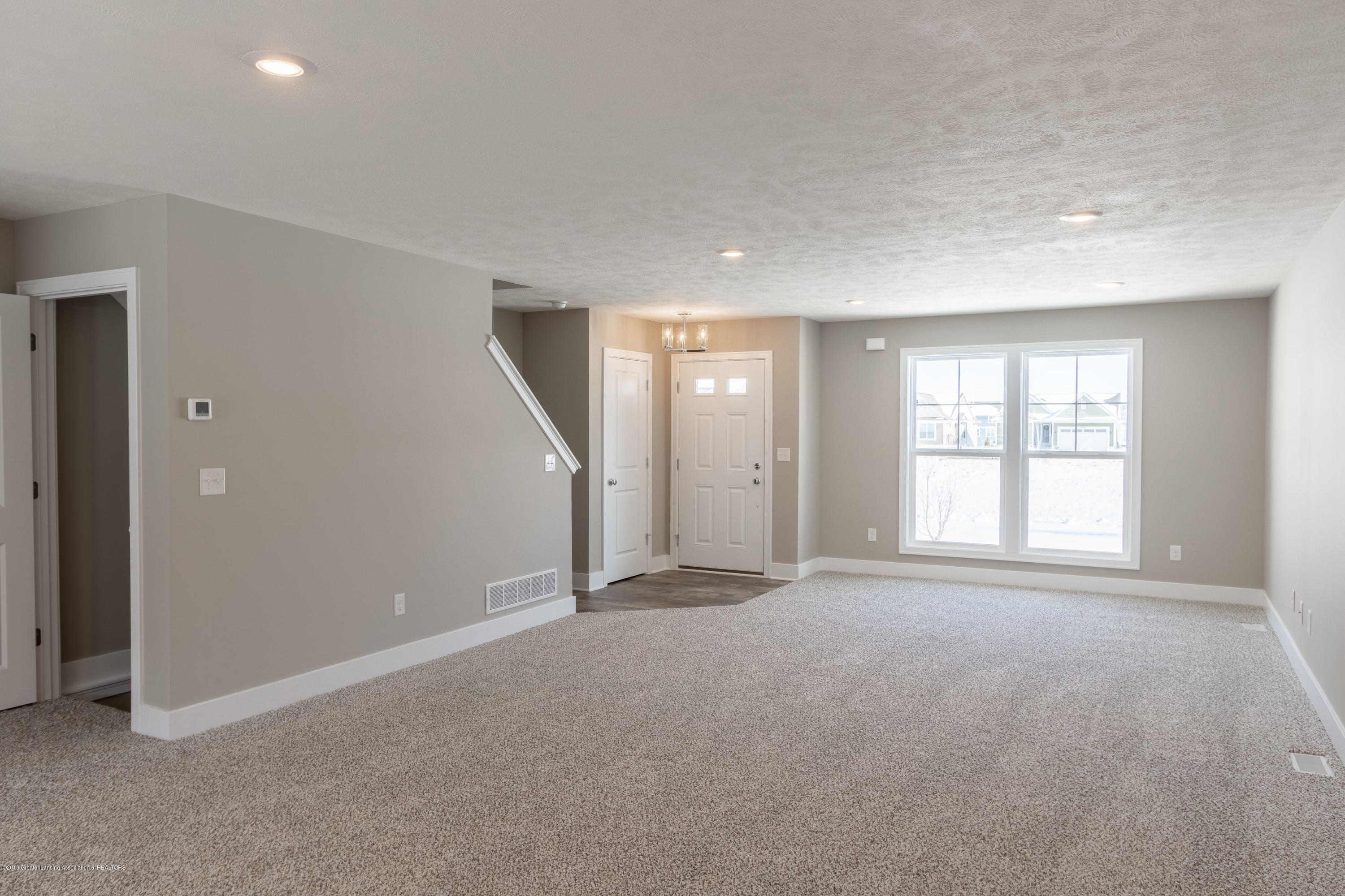 3848 Fossum Ln 10 - Living Room - 5