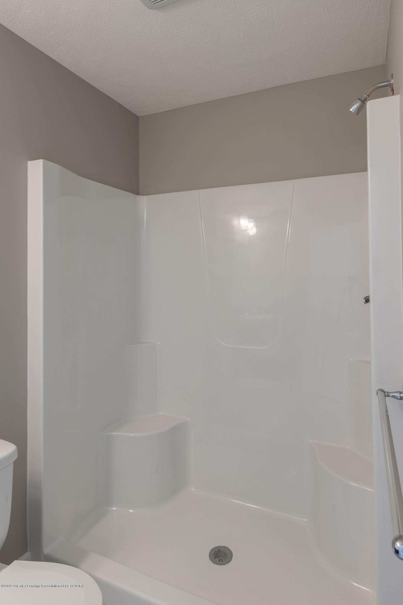 3848 Fossum Ln 10 - LL Bathroom - 32