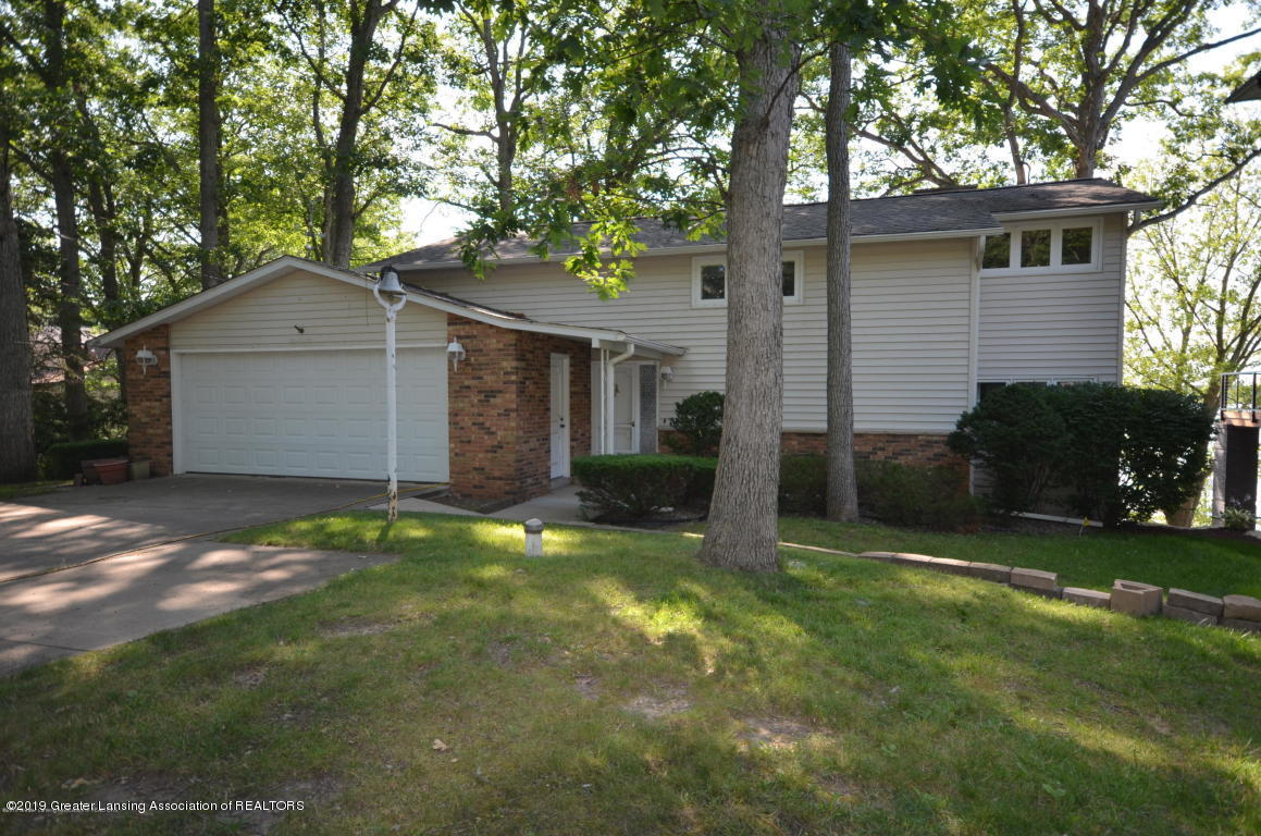 2051 Country Club Way - Exterior - 1