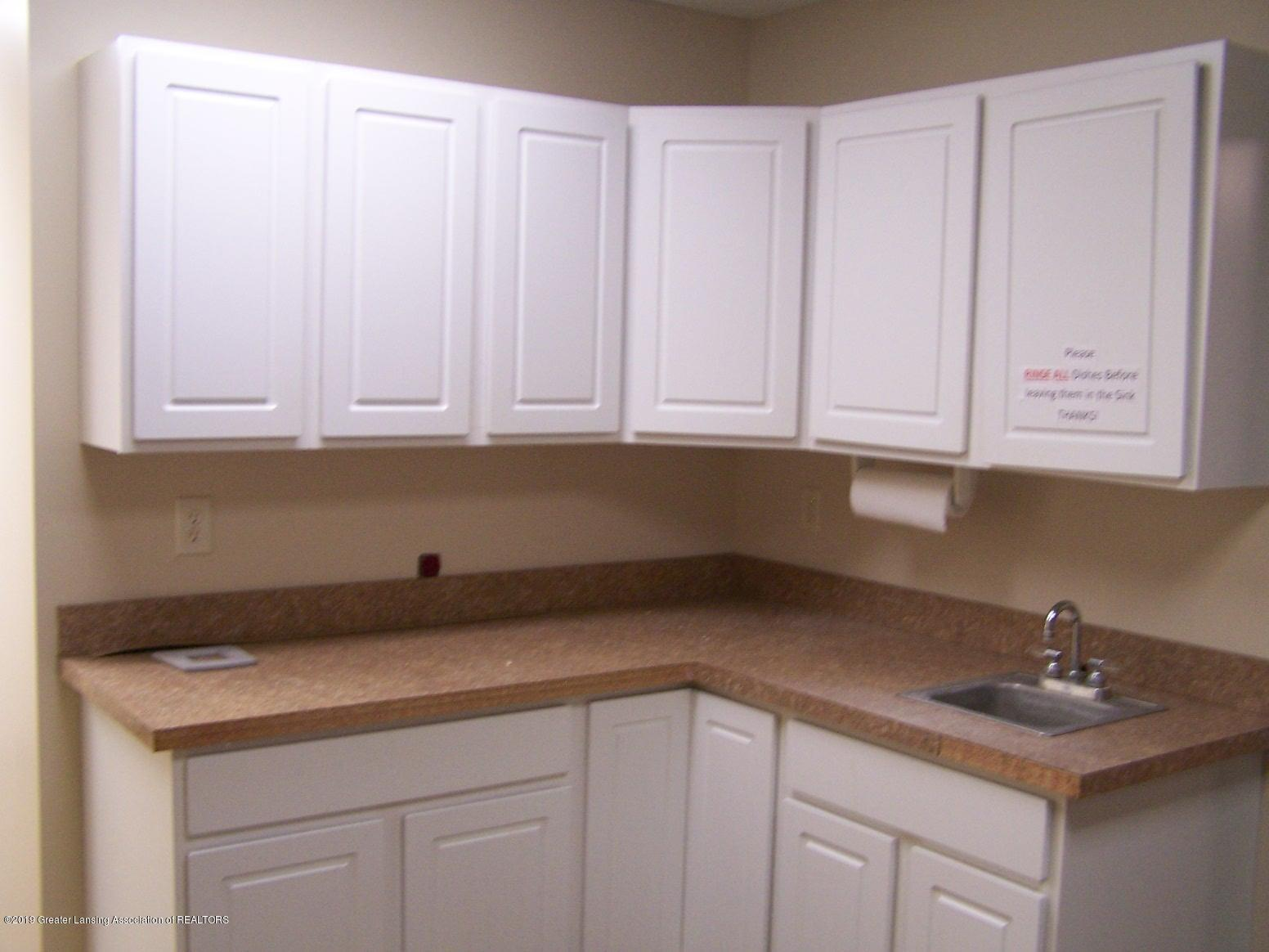 111 W Hamlin St - corner kitchen - 11