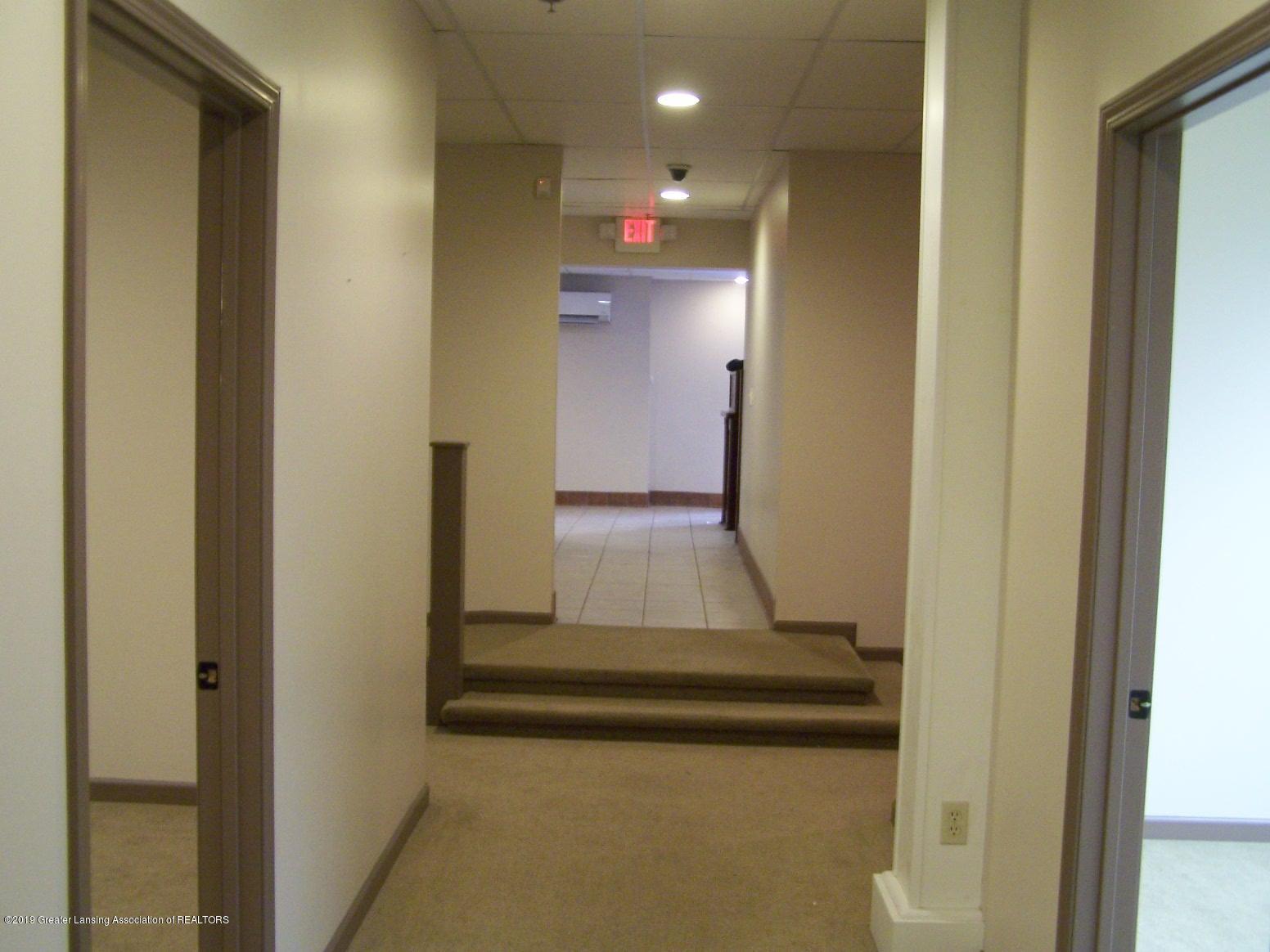 111 W Hamlin St - office hallway - 12