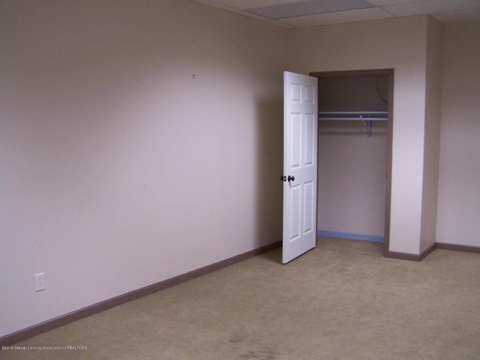 111 W Hamlin St - office (2) - 18