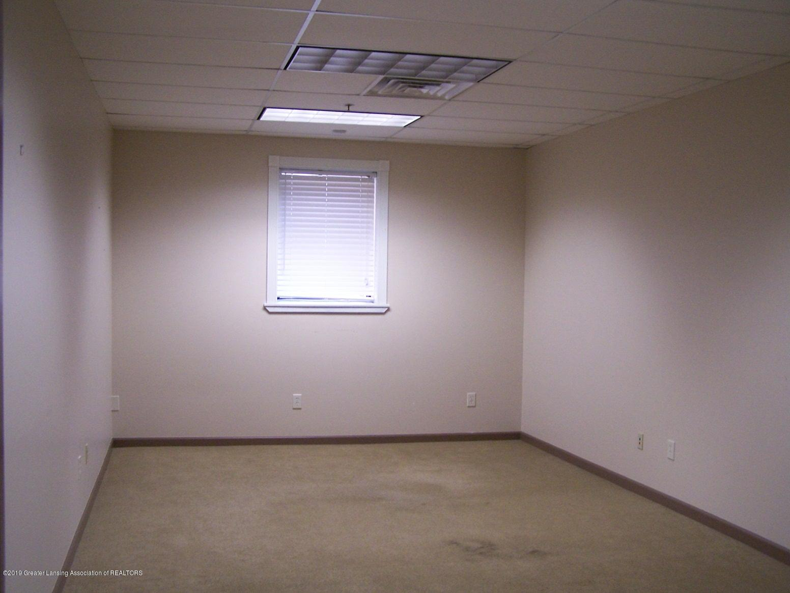111 W Hamlin St - office 3 - 19