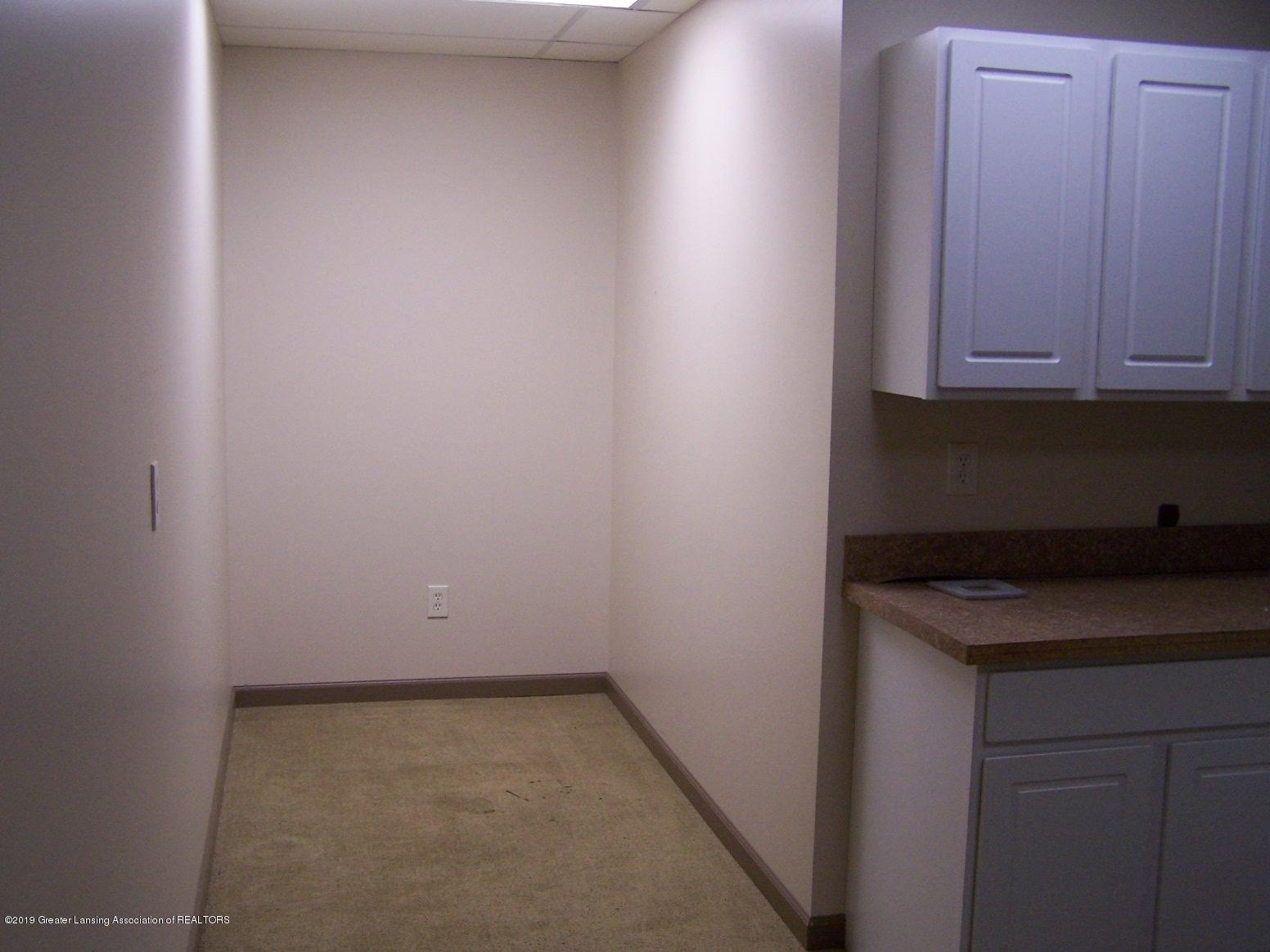 111 W Hamlin St - office hallway - 21