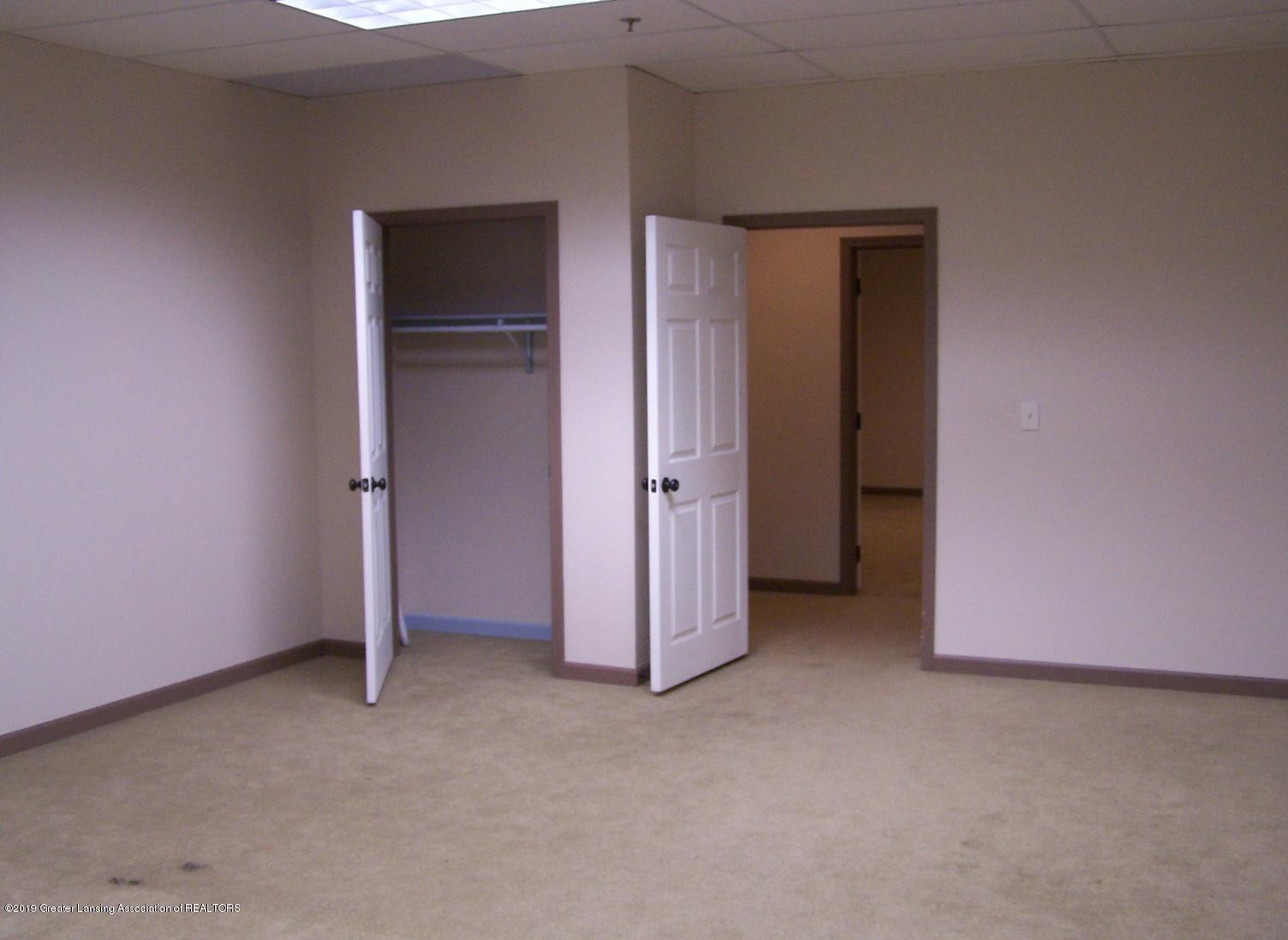 111 W Hamlin St - office2 - 23