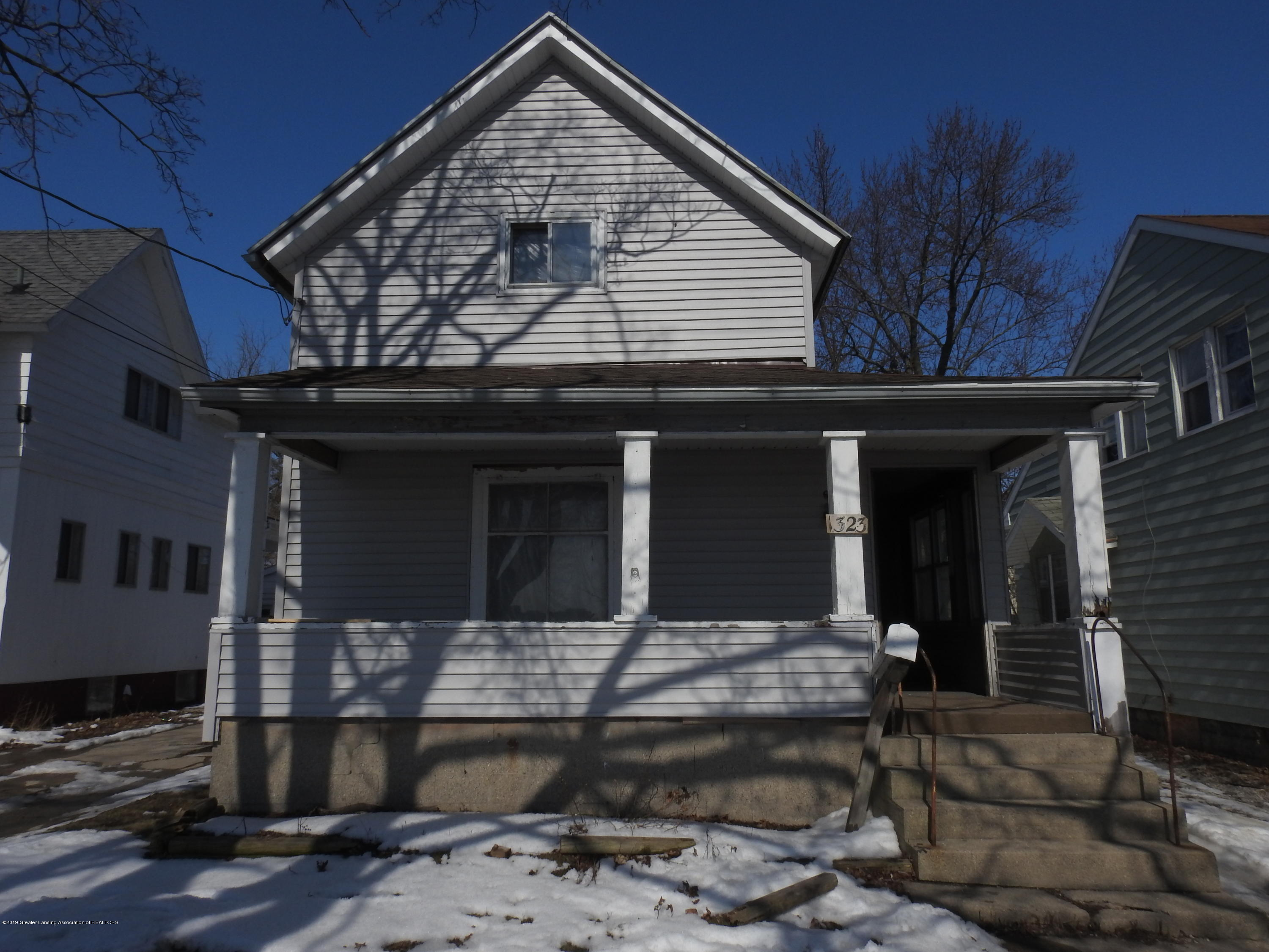 1323 E Saginaw St - Front of House - 1