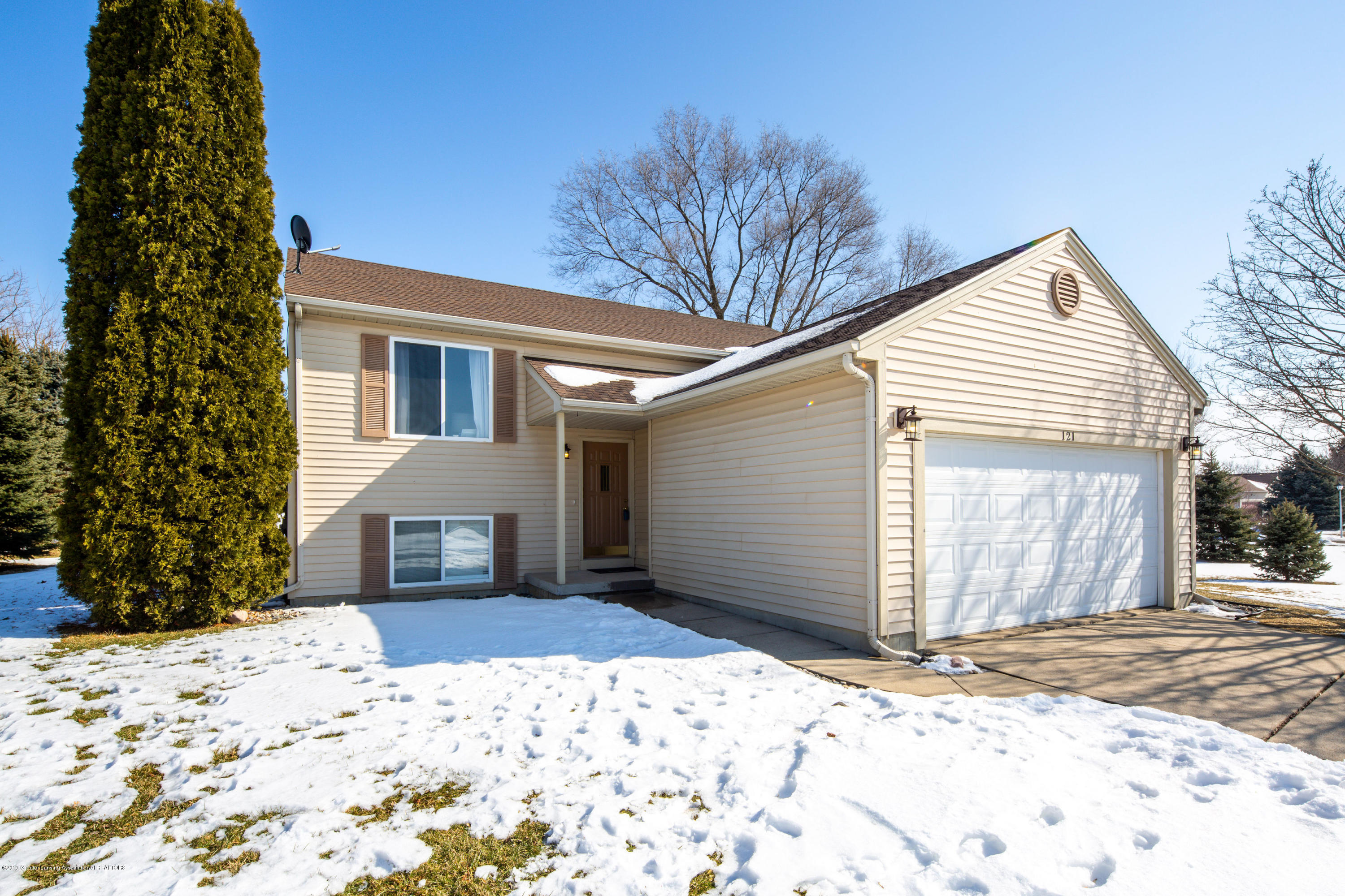121 Country Lake Dr - 20190222-942A6791-HDR - 1