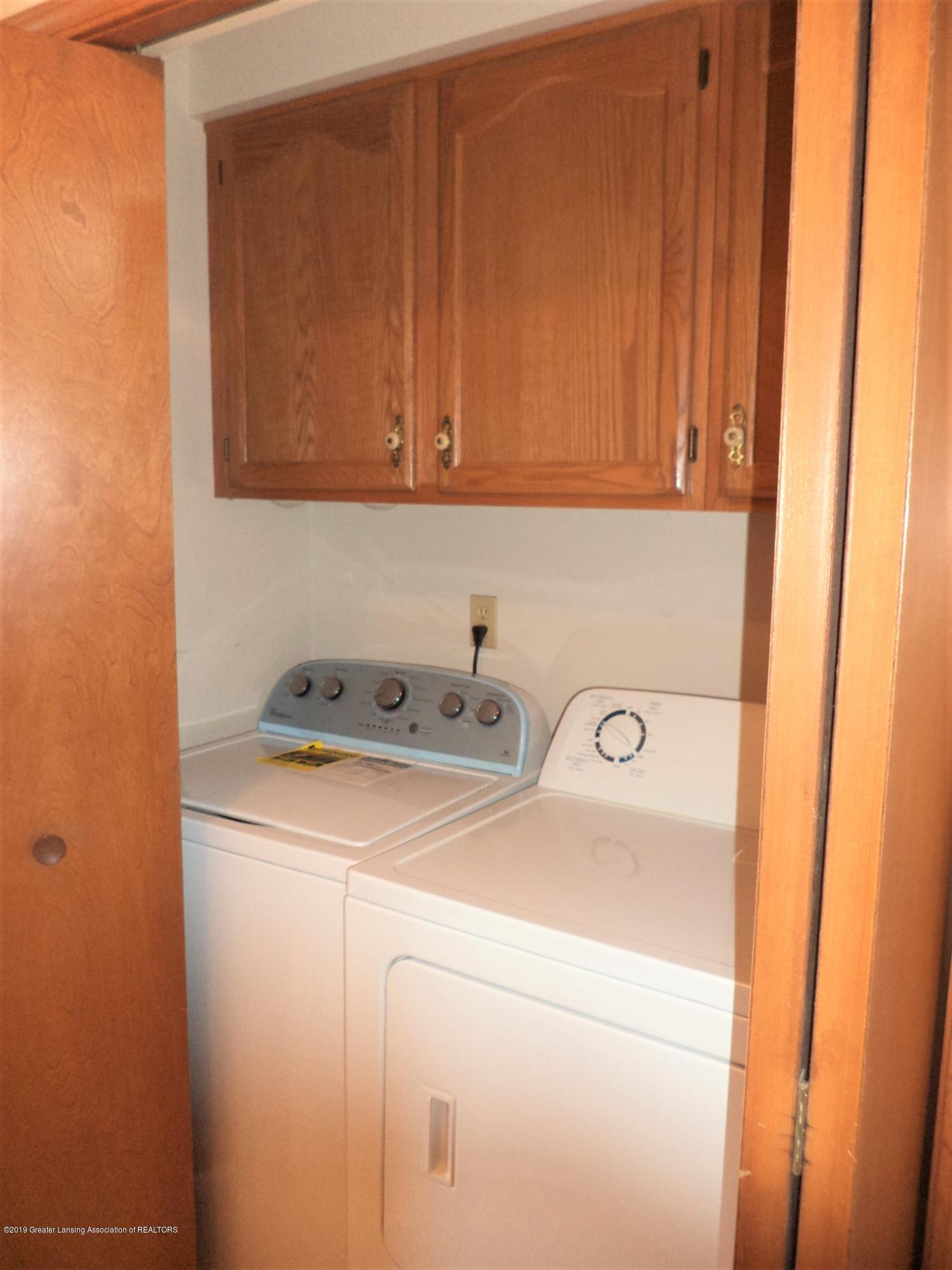 5535 W Parks Rd - Laundry area - 15