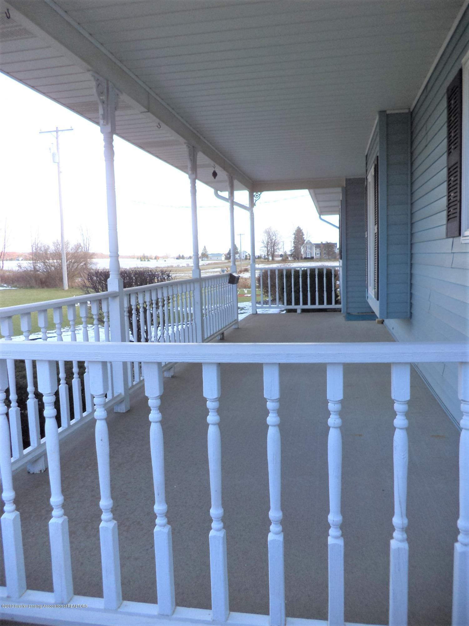 5535 W Parks Rd - Porch view 2 - 27